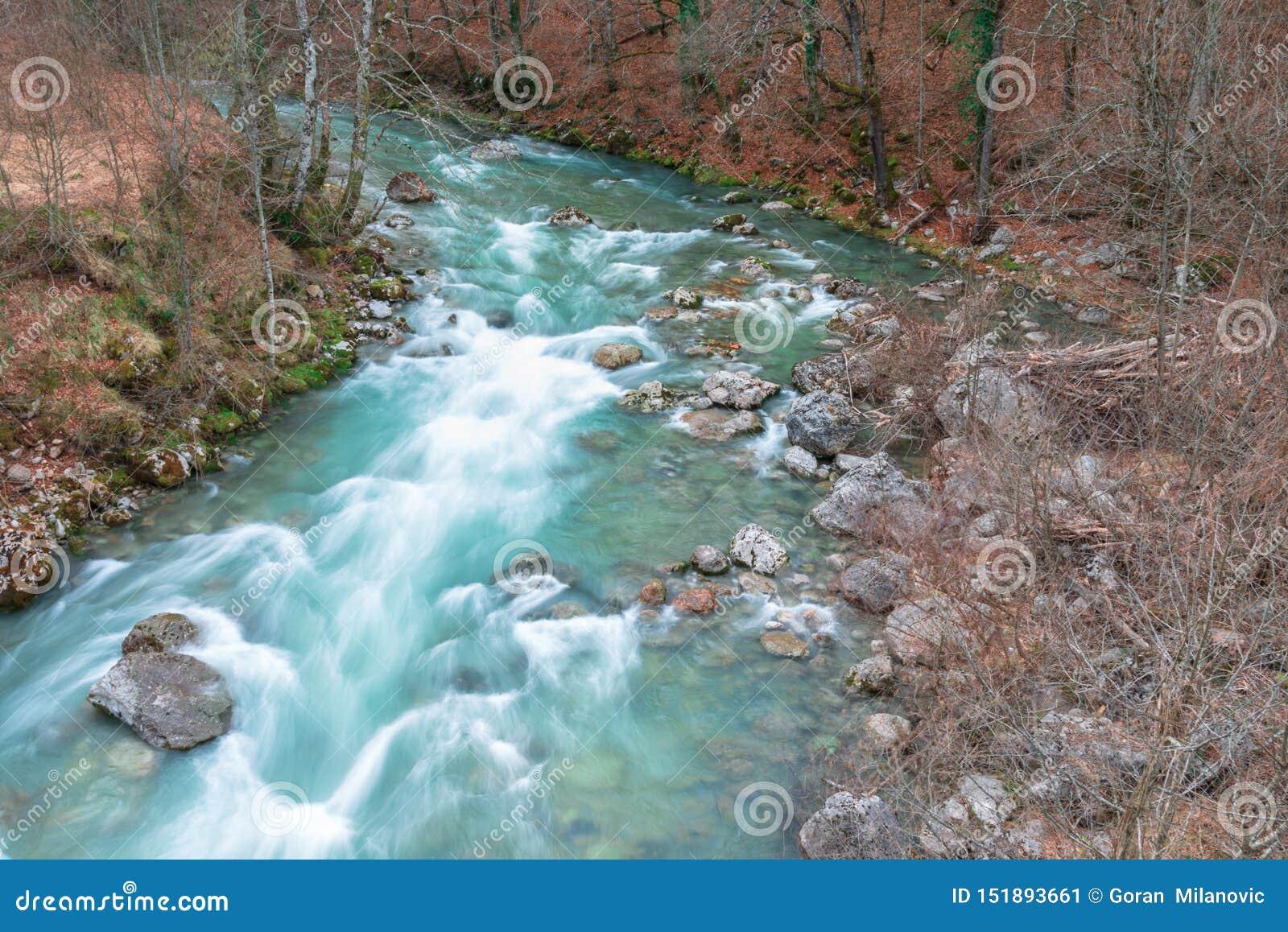 Άγριος ποταμός και το συναίσθημα της ελευθερίας
