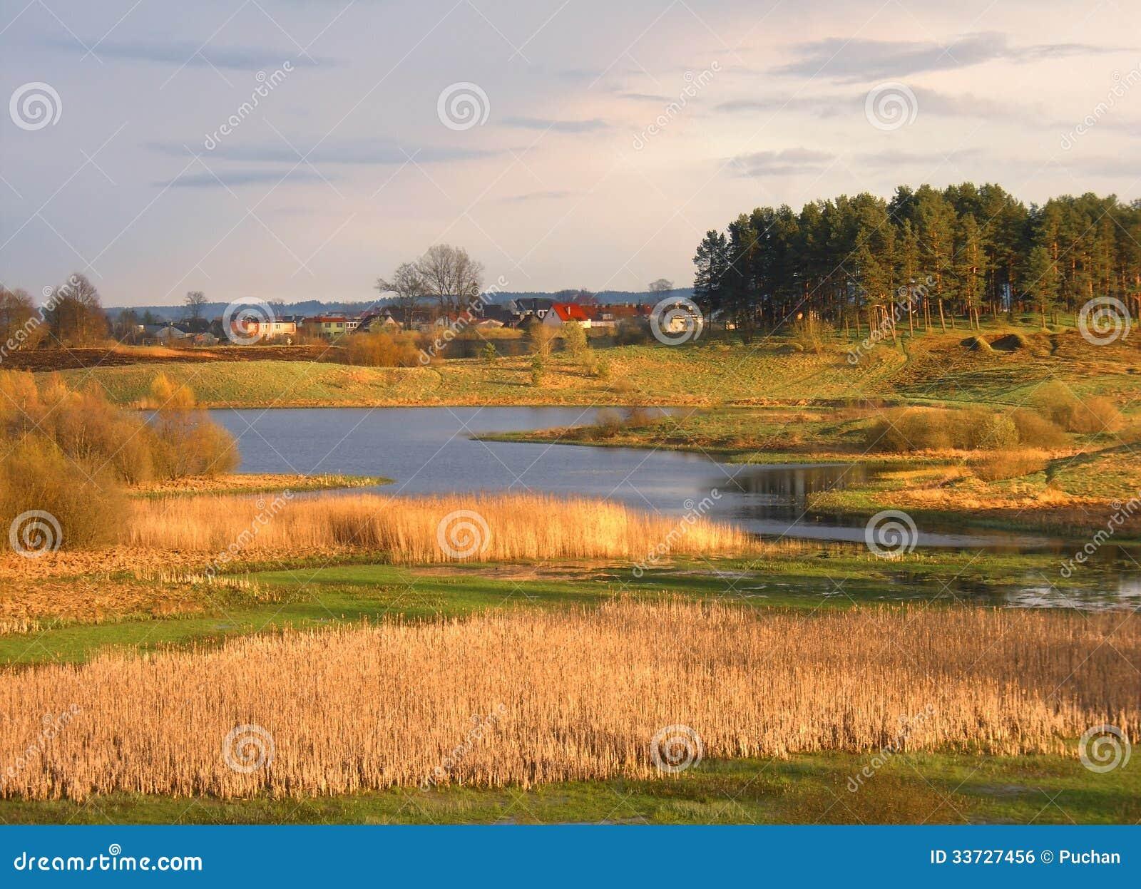 Άγριο τοπίο άνοιξη