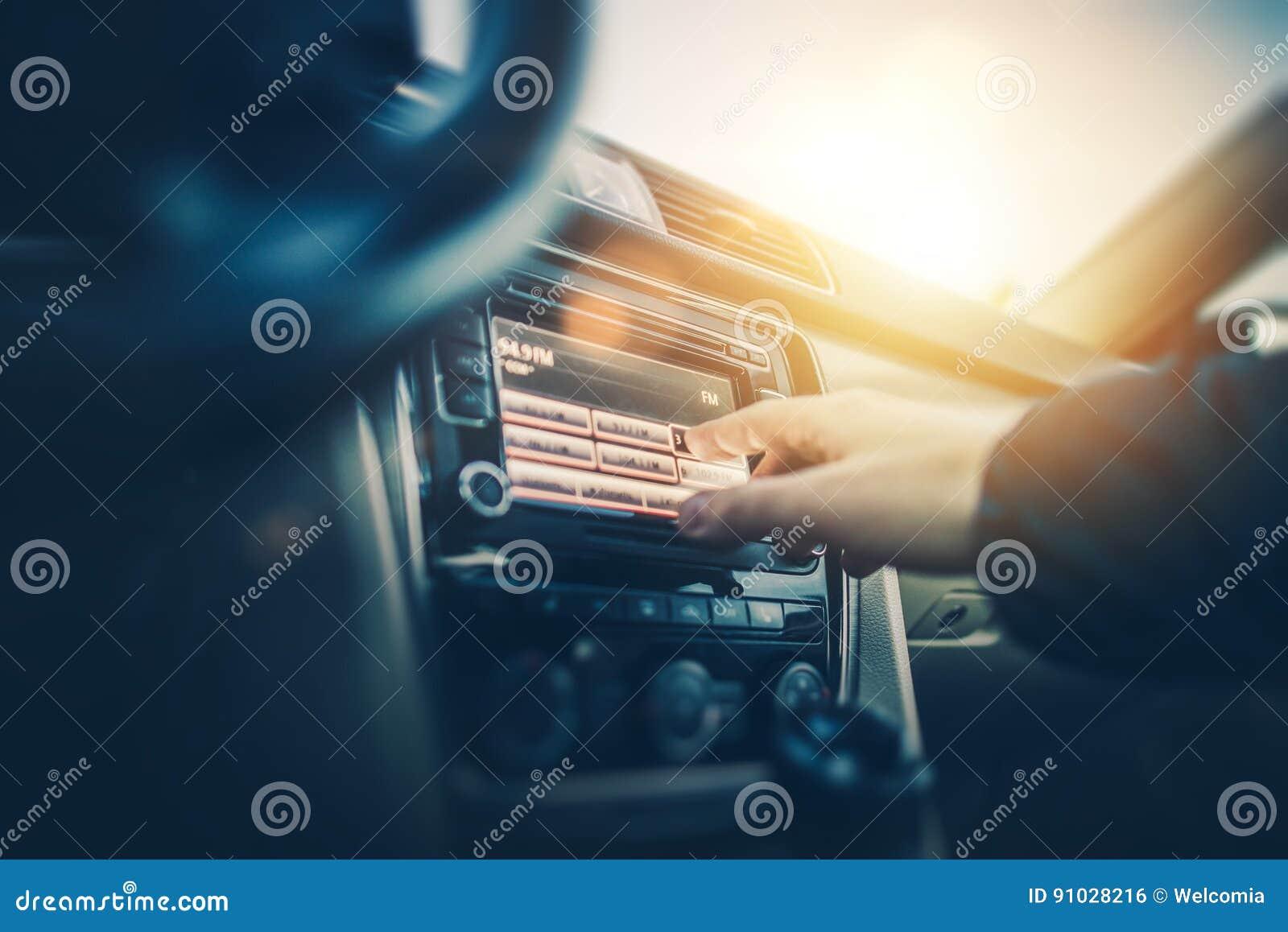 Άκουσμα ραδιοφώνων αυτοκινήτου