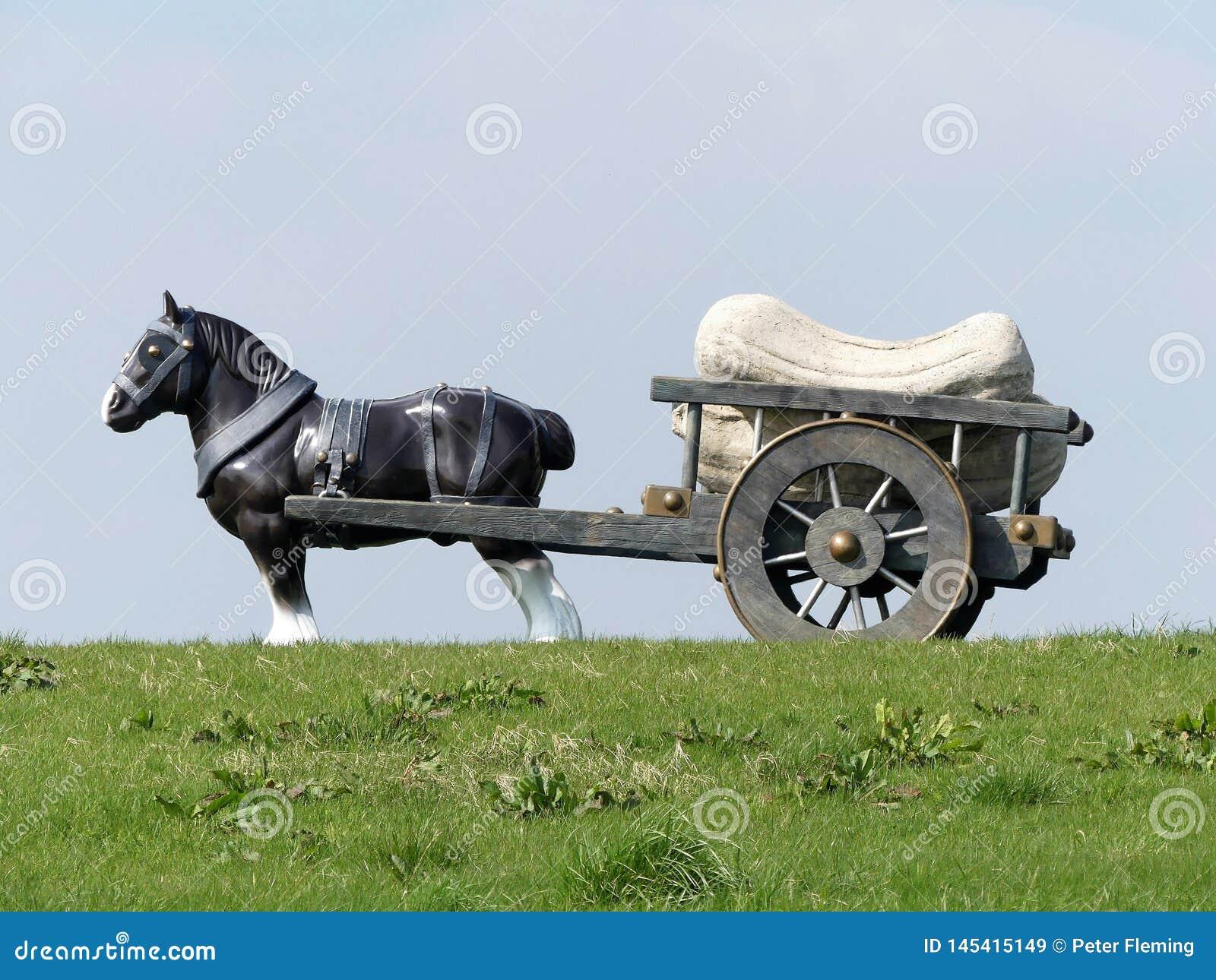 Άλογο Perceval και γλυπτό κάρρων από τη Sarah Lucus, Hill ανεμόμυλων, Waddesdon