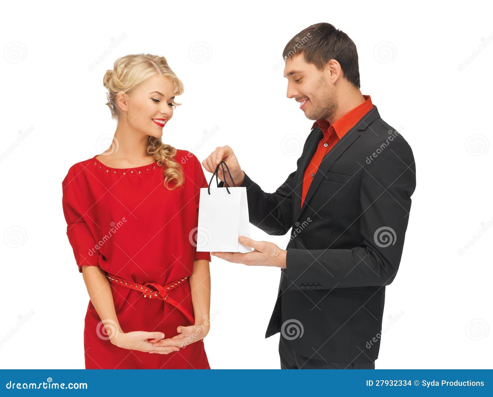 Άνδρας και γυναίκα με το παρόν