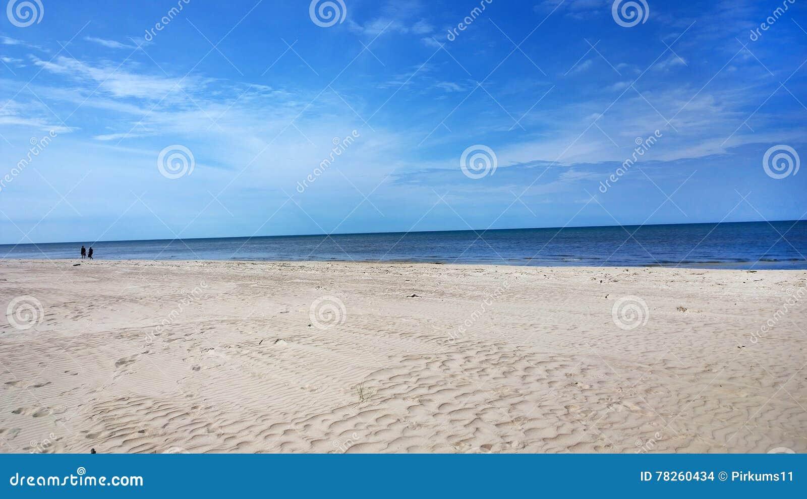 Άνθρωποι στην παραλία