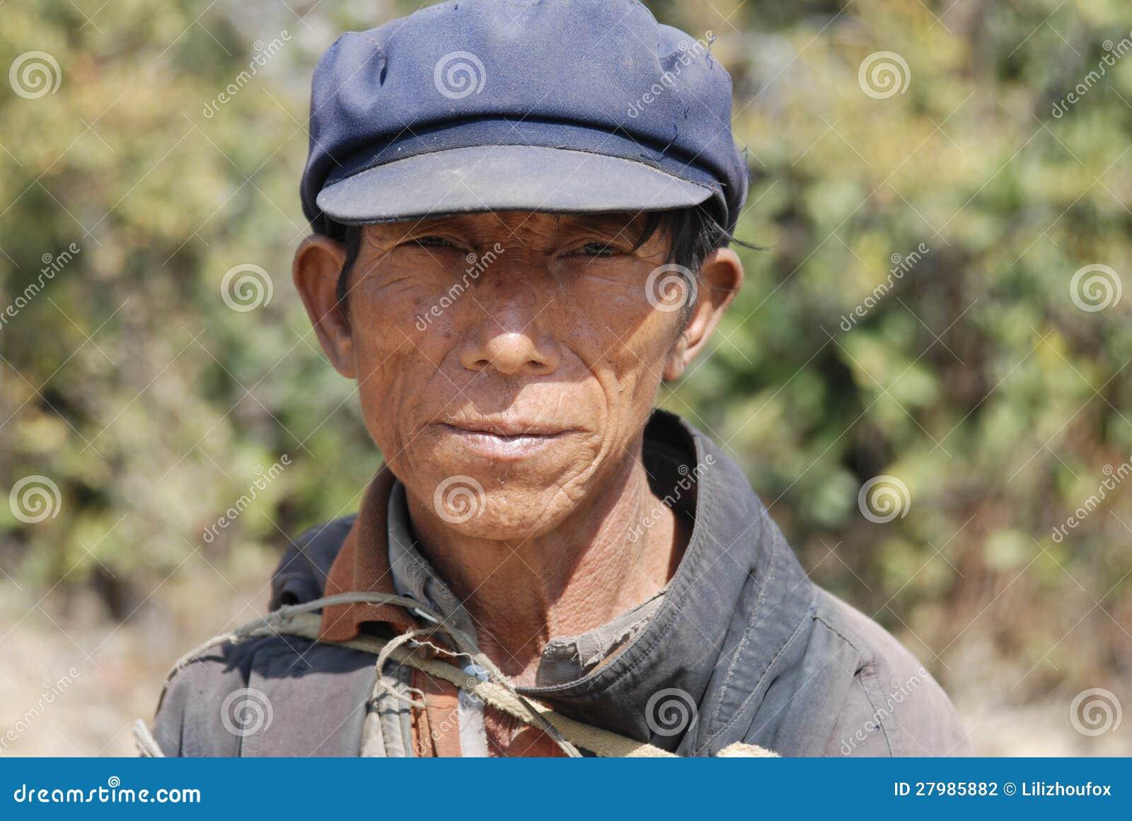 Άνθρωπος Yi στη νοτιοδυτική Κίνα