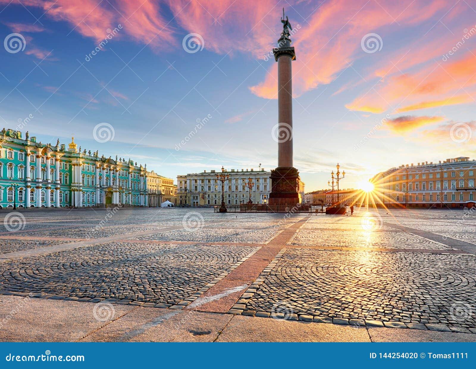Άποψη Αγίου Πετρούπολη Πανόραμα του τετραγώνου χειμερινών παλατιών, ερημητήριο - Ρωσία