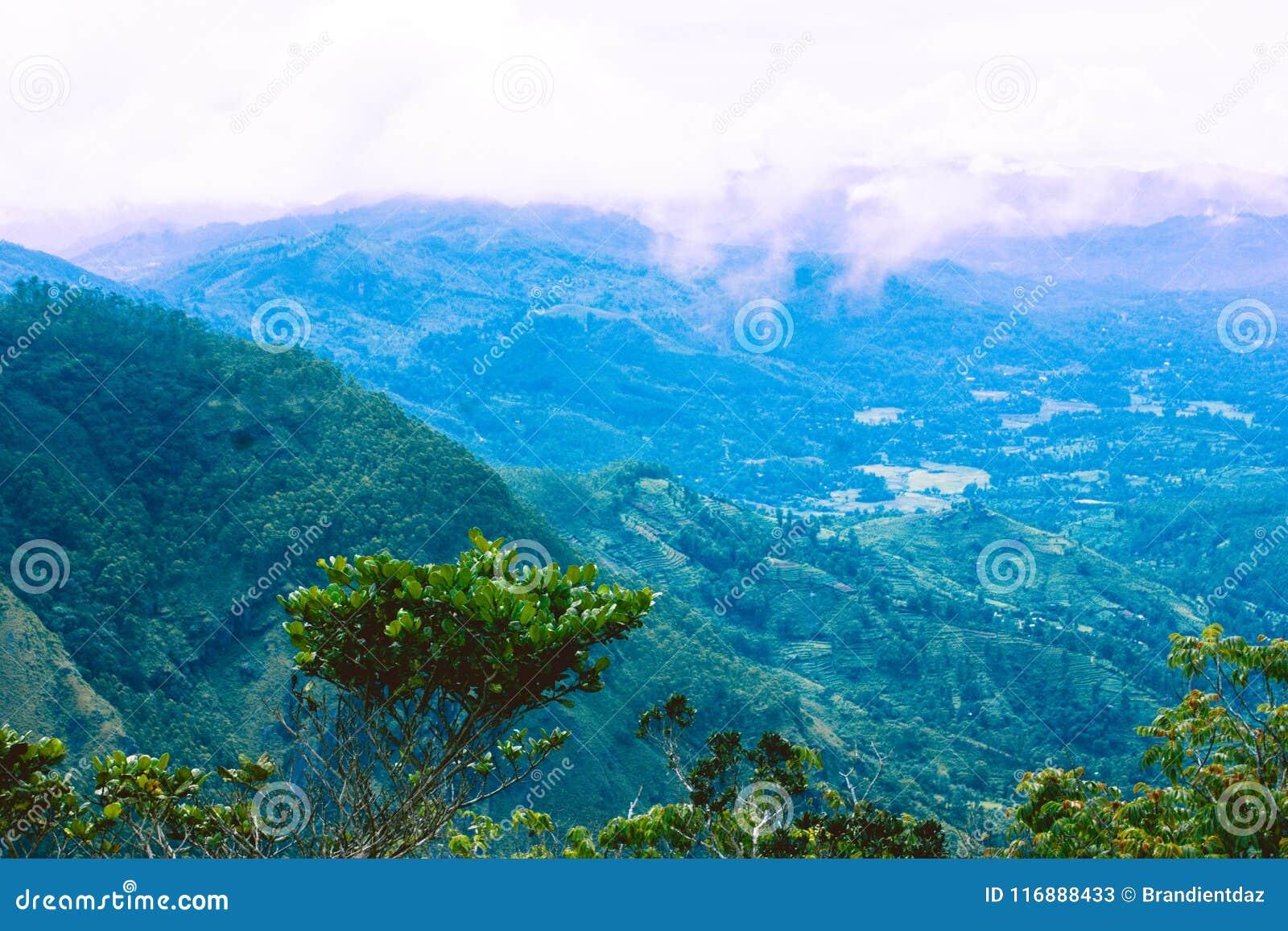 Άποψη από την κορυφή των πεδιάδων `, Σρι Λάνκα φεγγαριών `