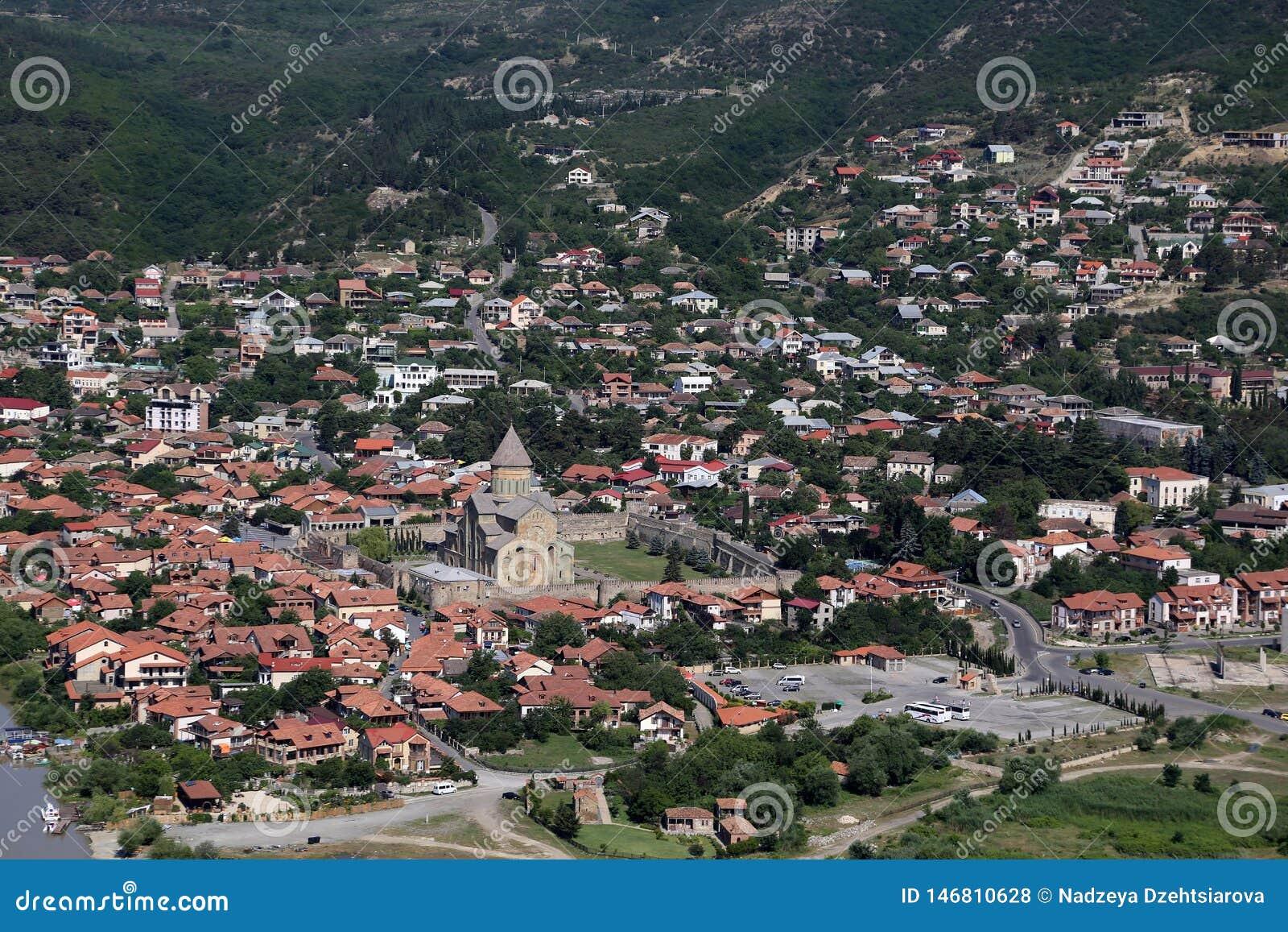 Άποψη από την πλατφόρμα εξέτασης του μοναστηριού Jvari στην πόλη Mtskheta