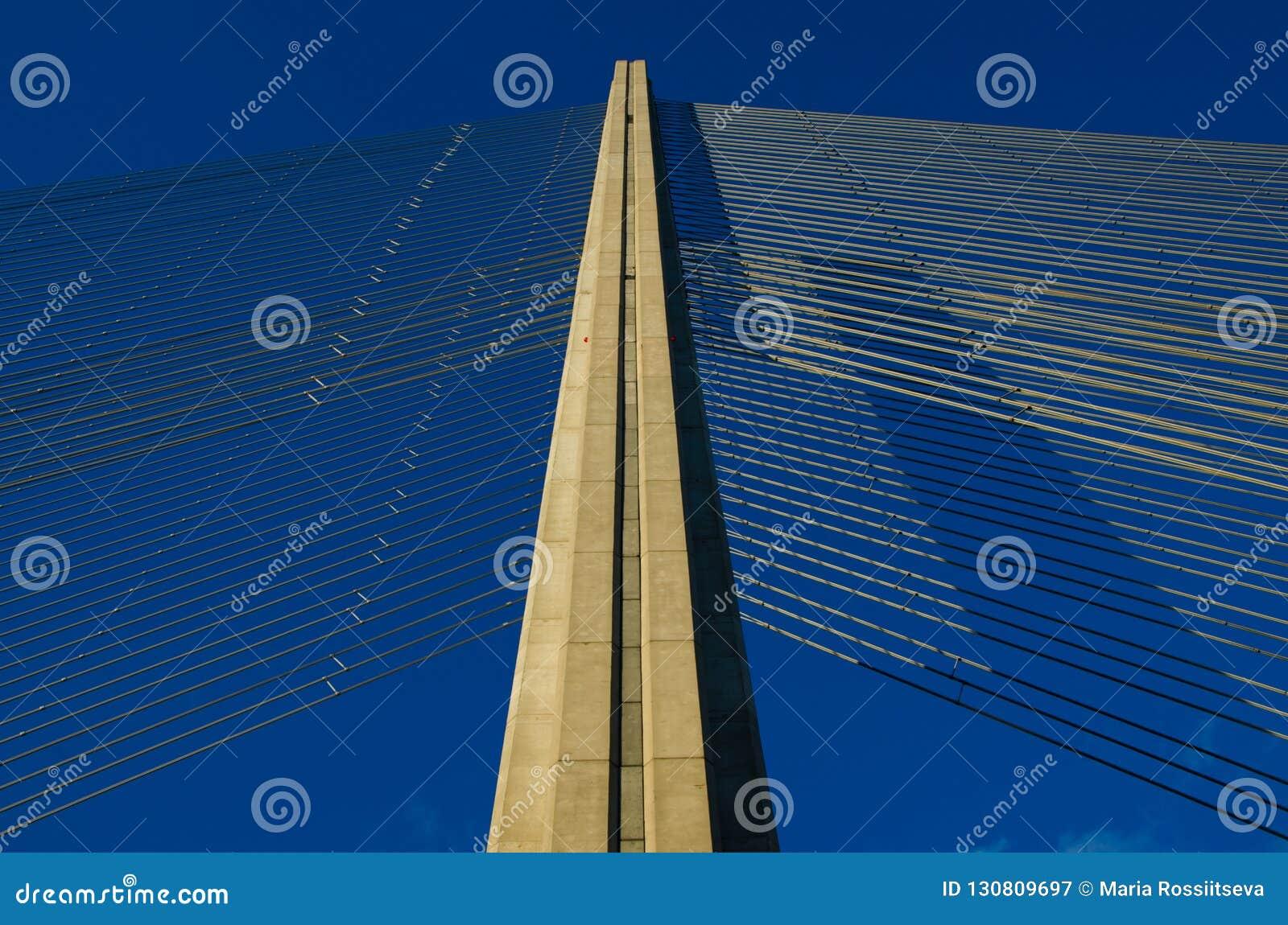 Άποψη πάνω από τη γέφυρα αναστολής