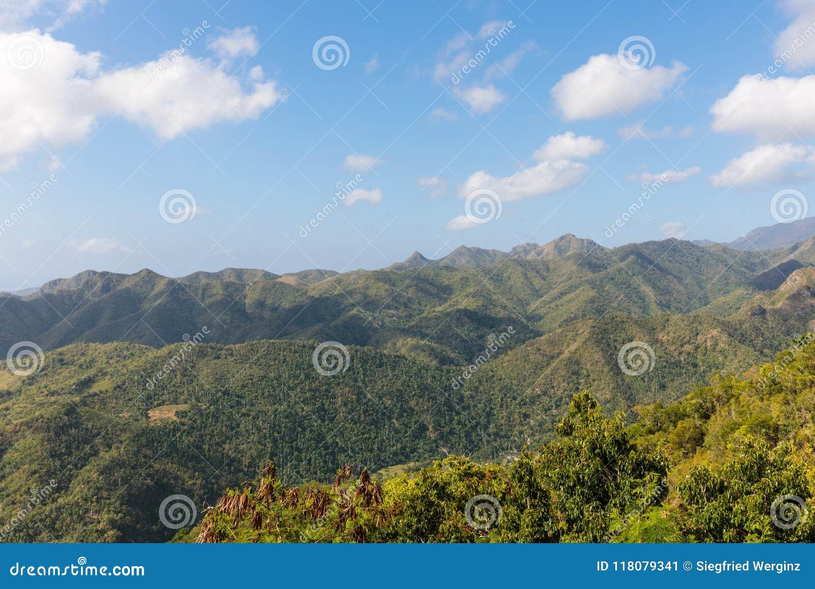 Άποψη πέρα από την του Alejandro de Humboldt περιοχή του Γκουαντανάμο Κούβα National πάρκων Περιοχή παγκόσμιων κληρονομιών της ΟΥ