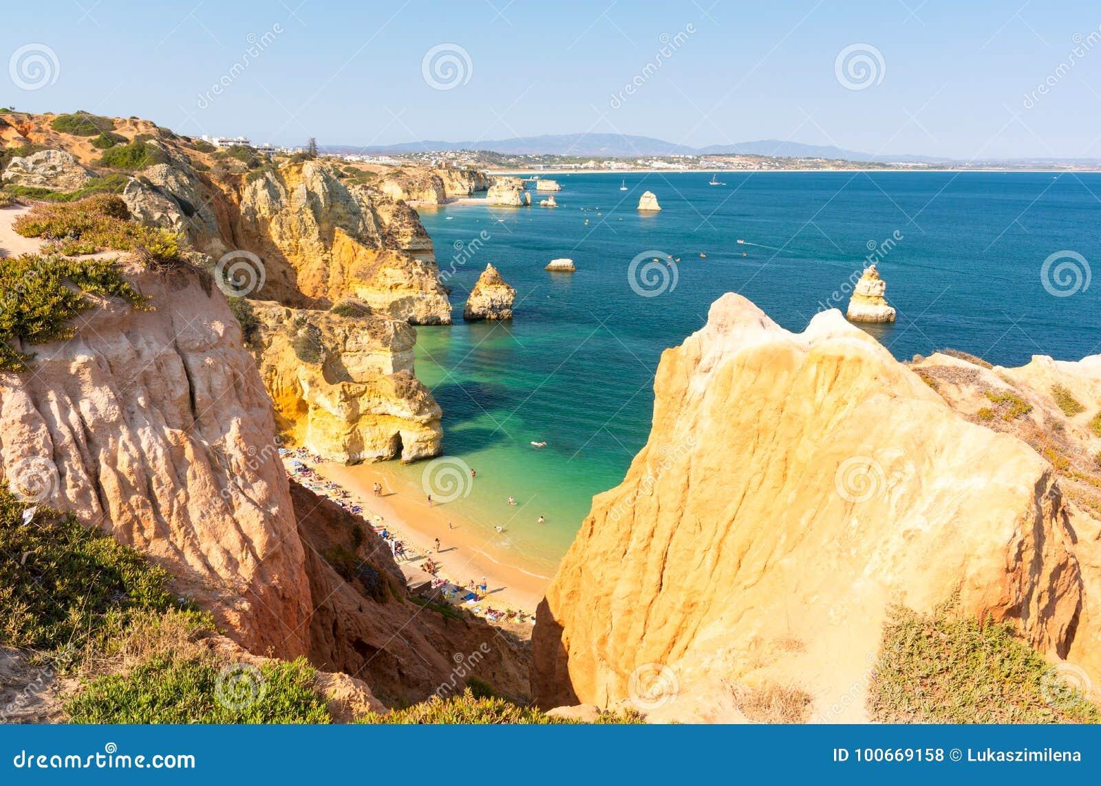 Άποψη σχετικά με την παραλία Praia do Camilo στο Λάγκος, Αλγκάρβε, Πορτογαλία