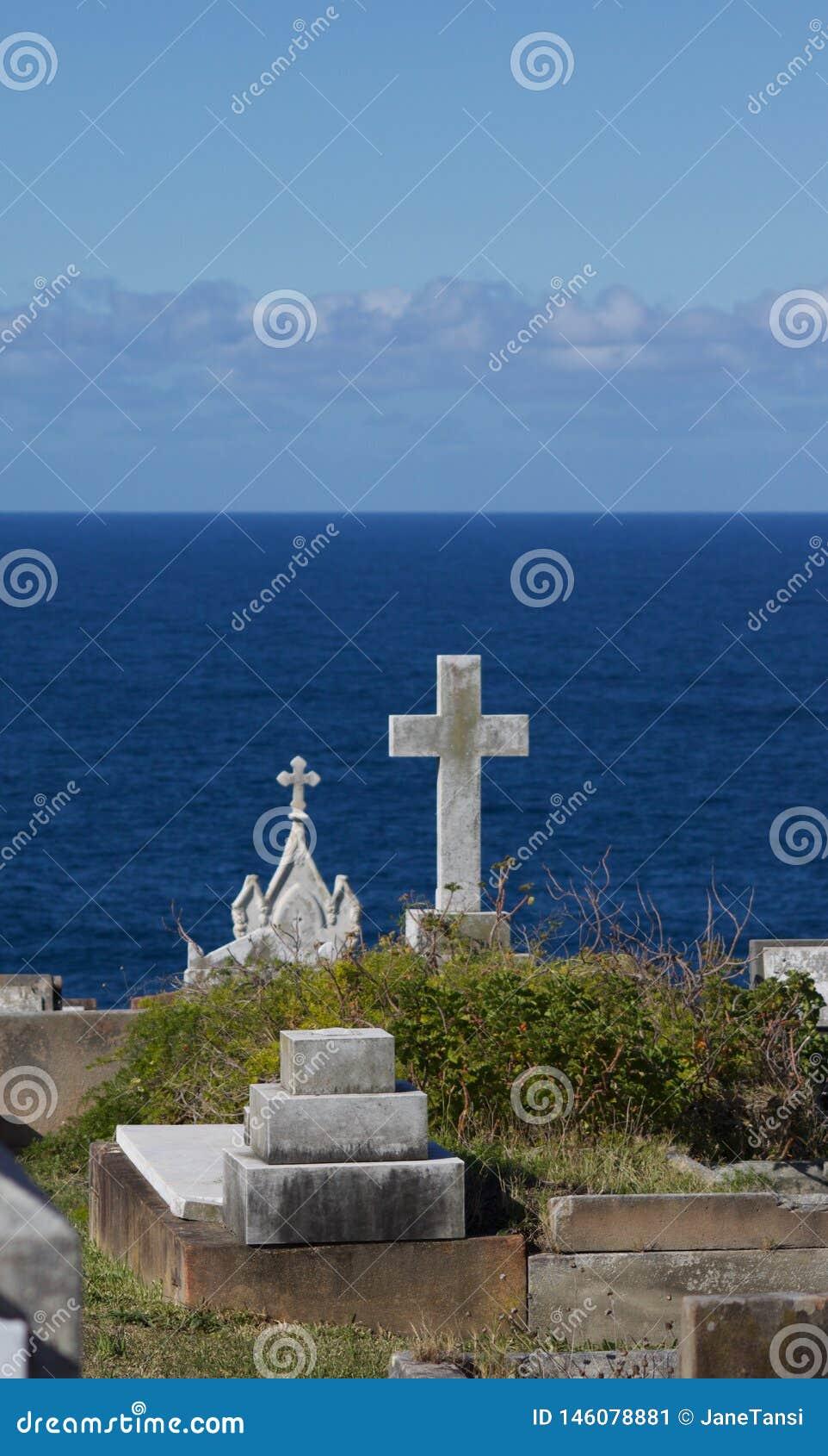 Άποψη της θάλασσας από το νεκροταφείο Waverley στη Νότια Νέα Ουαλία Αυστραλία