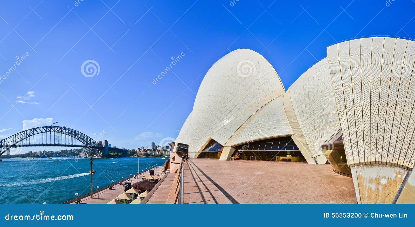 Download Άποψη της Όπερας του Σίδνεϊ και της λιμενικής γέφυρας Εκδοτική εικόνα - εικόνα από πανόραμα, τοπίο: 56553200
