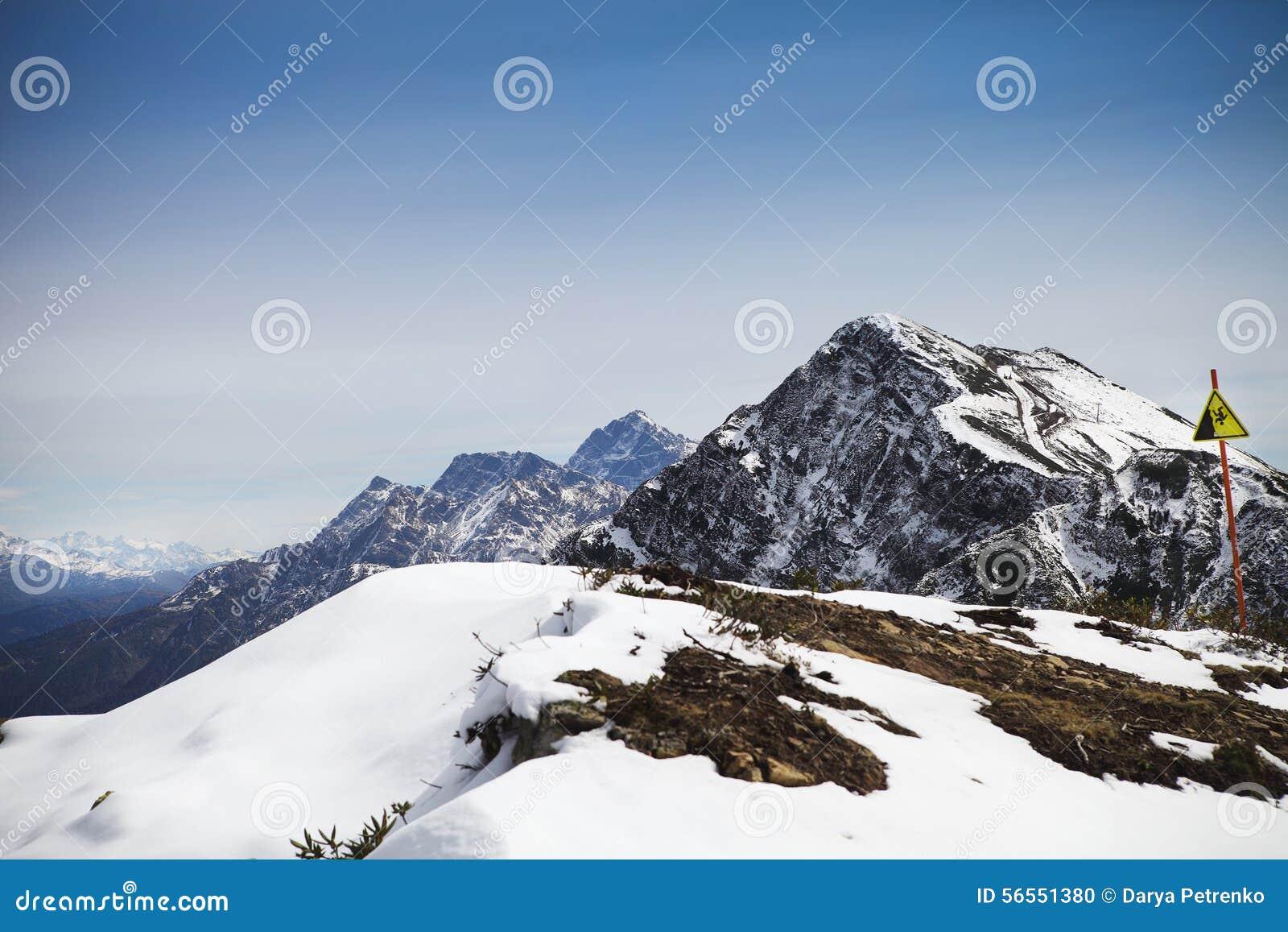 Download Άποψη τοπίων υψηλών βουνών στη Rosa Khutor Στοκ Εικόνες - εικόνα από δύσκολος, αλπικό: 56551380