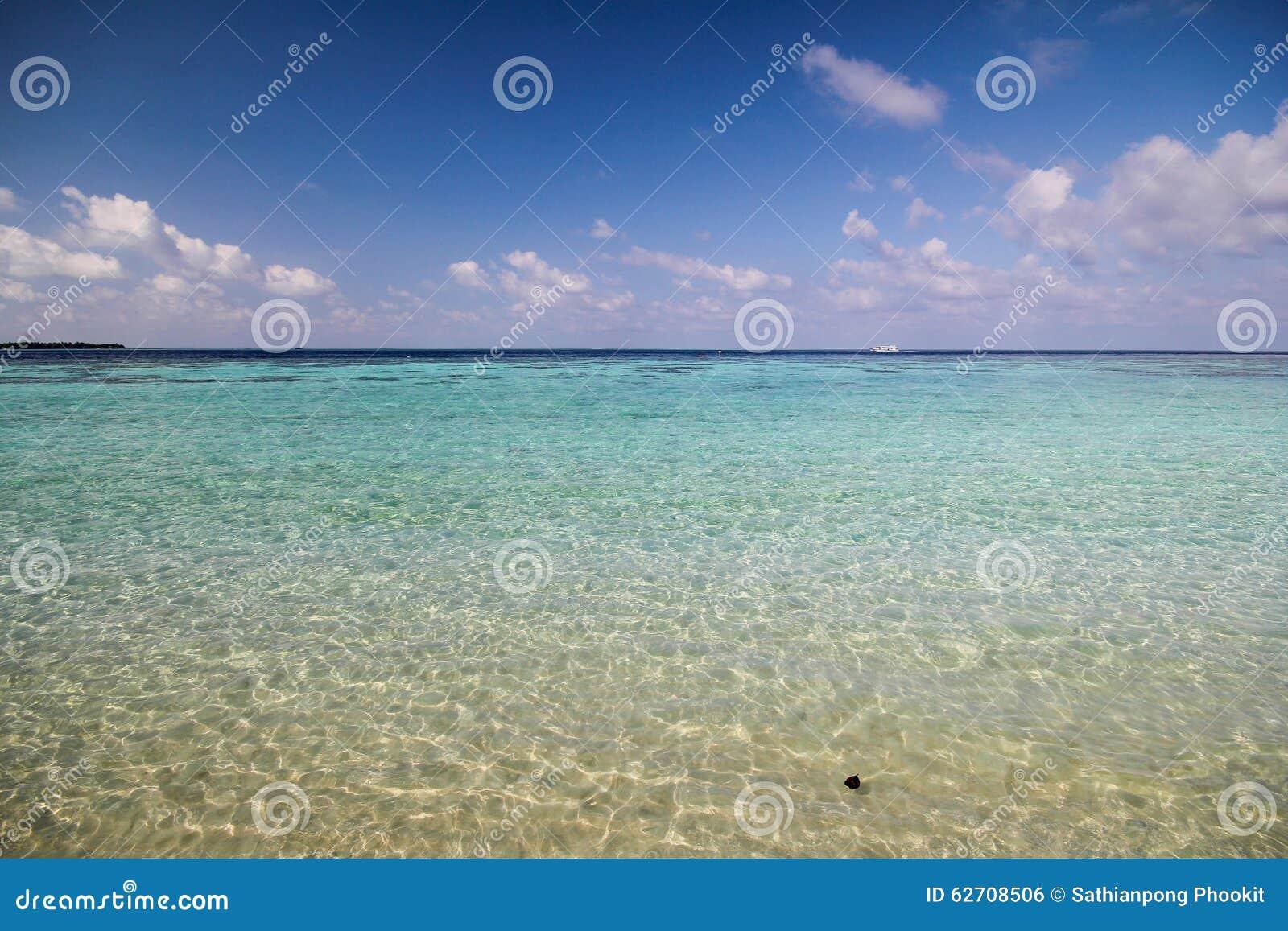 Άποψη του νησιού vilamendhoo στον Ινδικό Ωκεανό Μαλδίβες