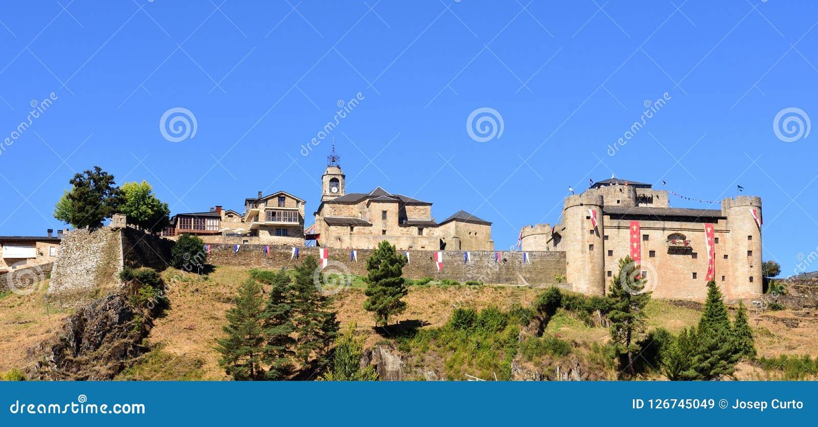 Άποψη του Πουέμπλα de Sanabria, Zamora επαρχία, Καστίλλη-Leon, Spai