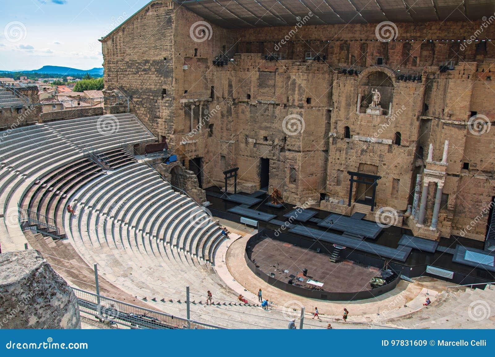 Άποψη του ρωμαϊκού θεάτρου του πορτοκαλιού
