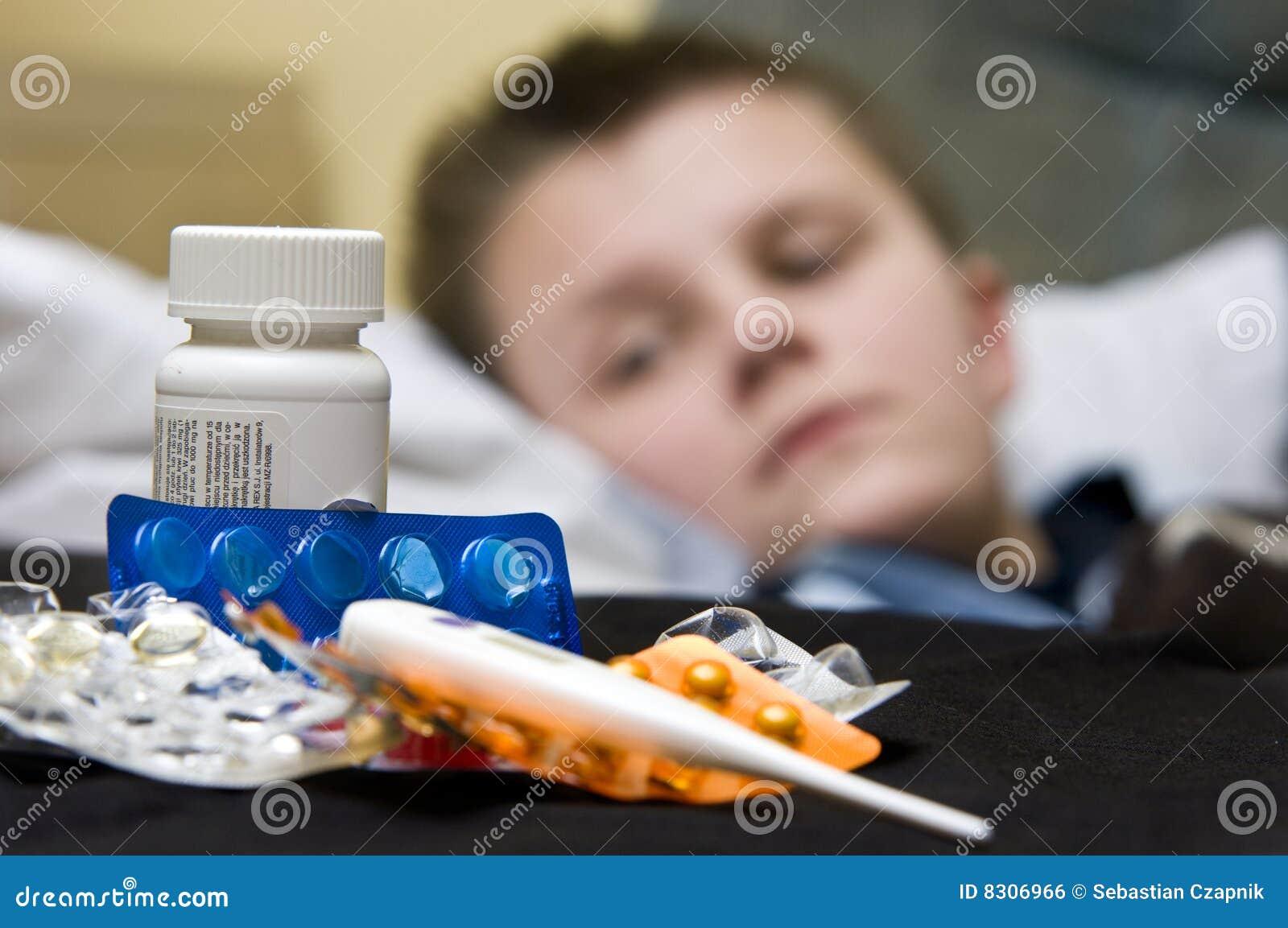 άρρωστοι φαρμάκων αγοριών &ep