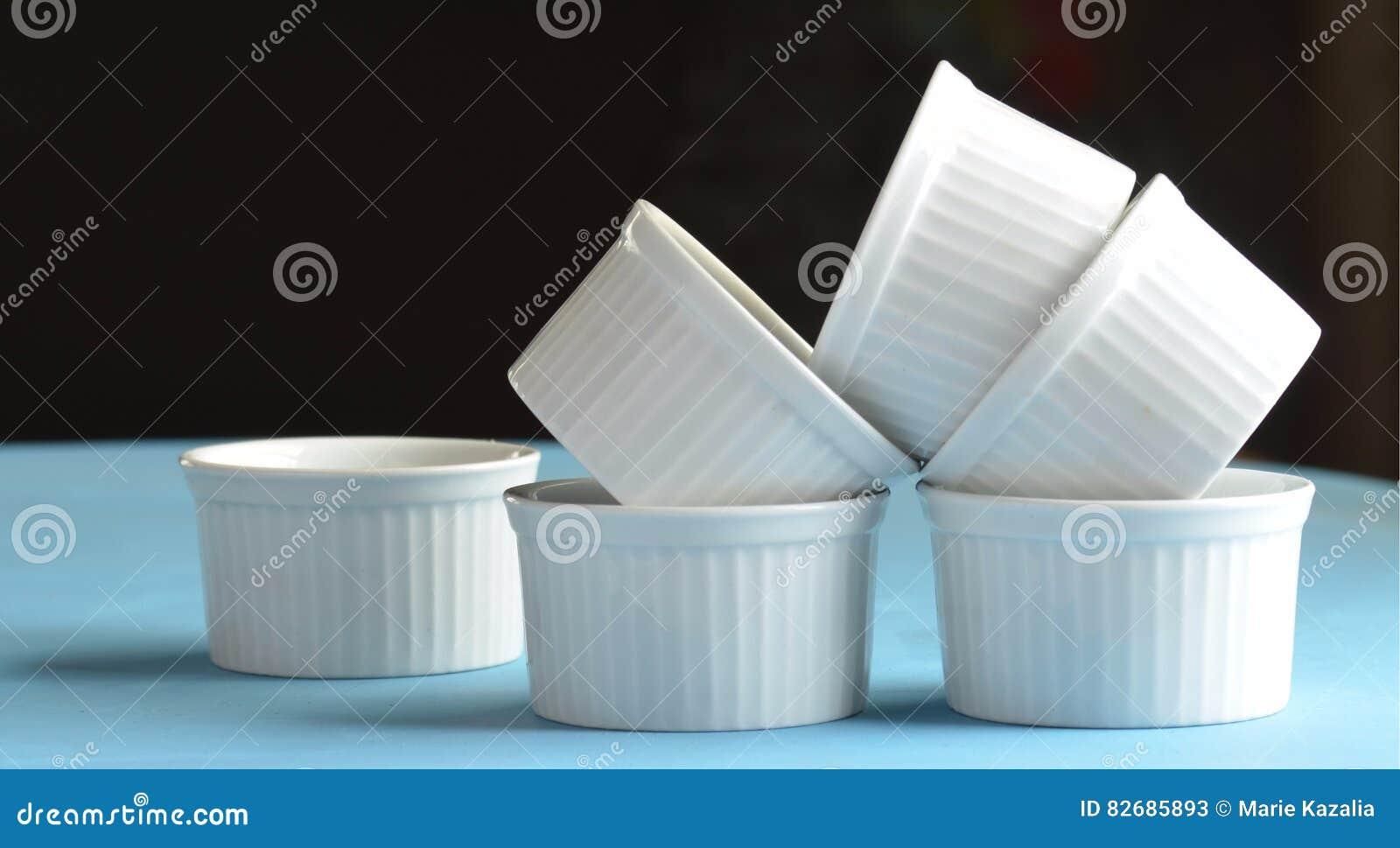 Άσπρα πιάτα ψησίματος πορσελάνης ramekin μίνι