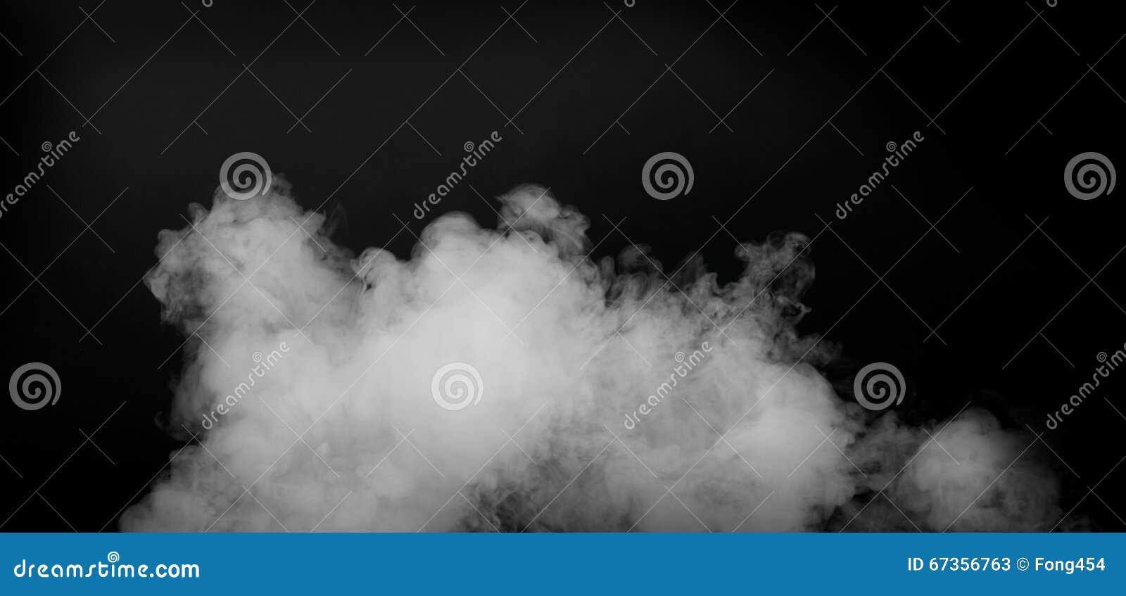 Άσπρος καπνός που απομονώνεται στο μαύρο υπόβαθρο
