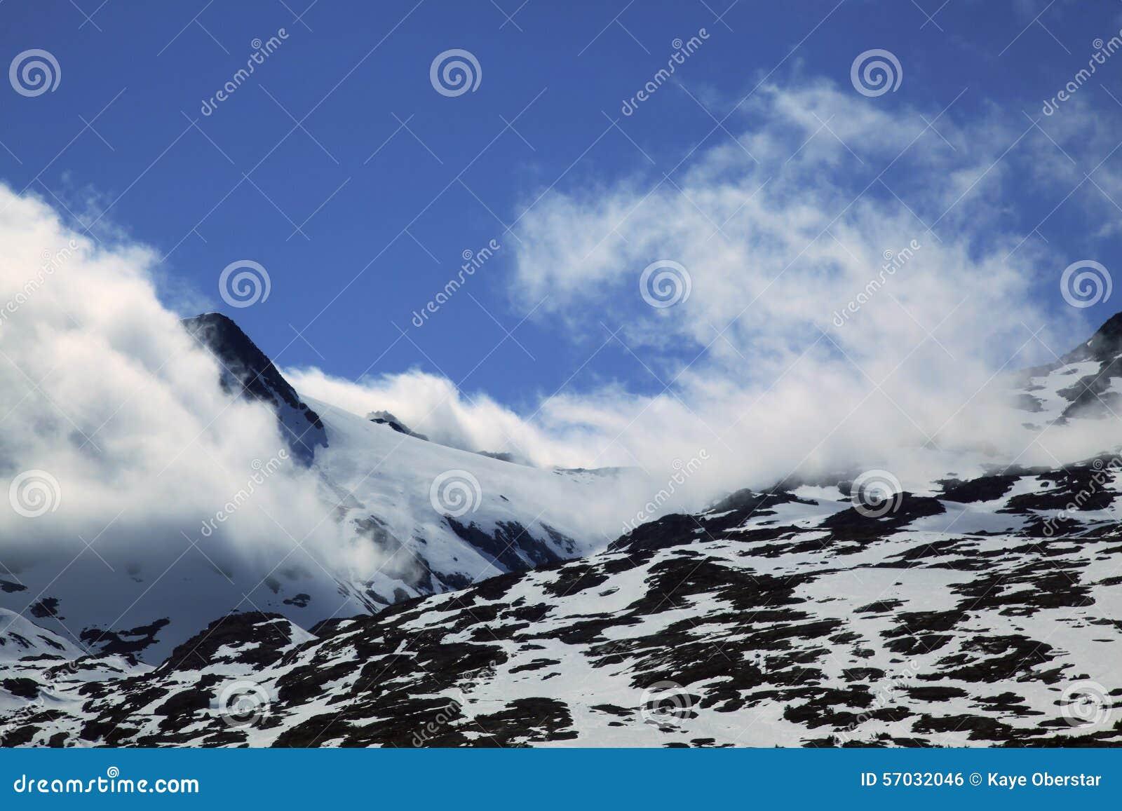 άσπρο yukon διαδρομών περασμάτων