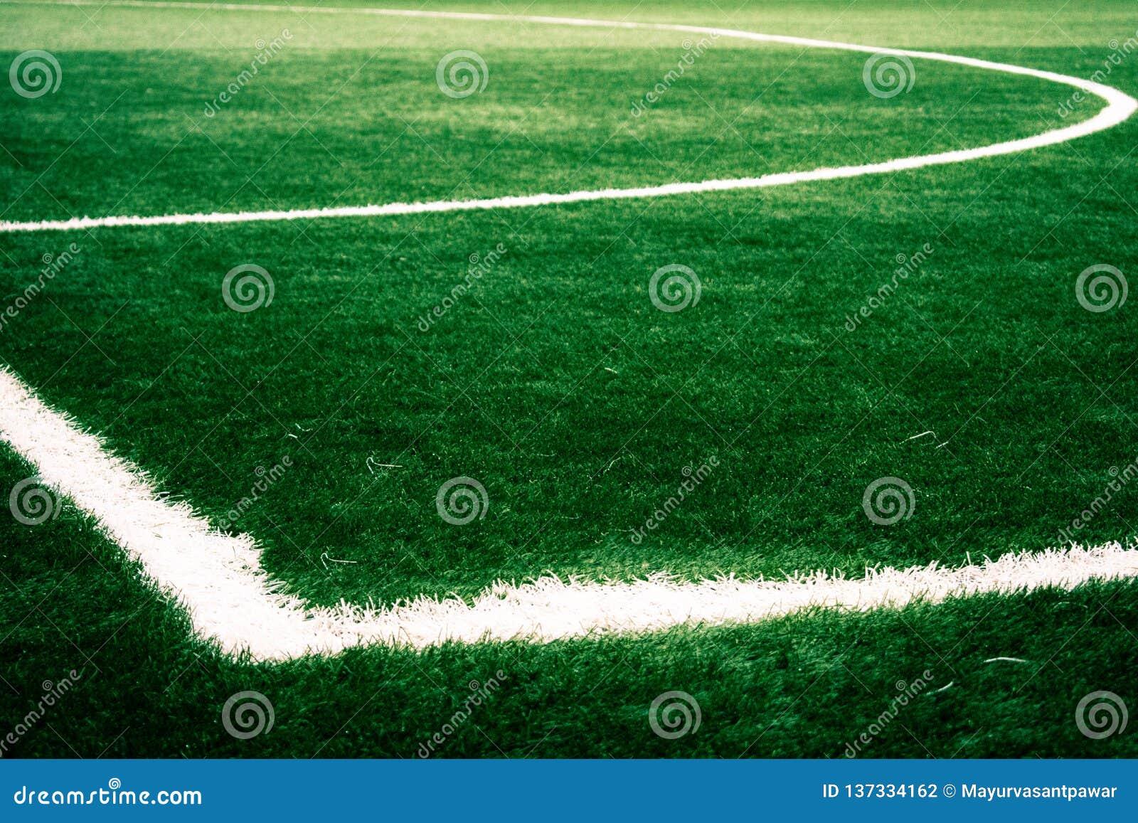 Έδαφος παιχνιδιού ποδοσφαίρου που πυροβολείται για τα κοινωνικά μέσα που εμπορεύονται και που διαφημίζουν