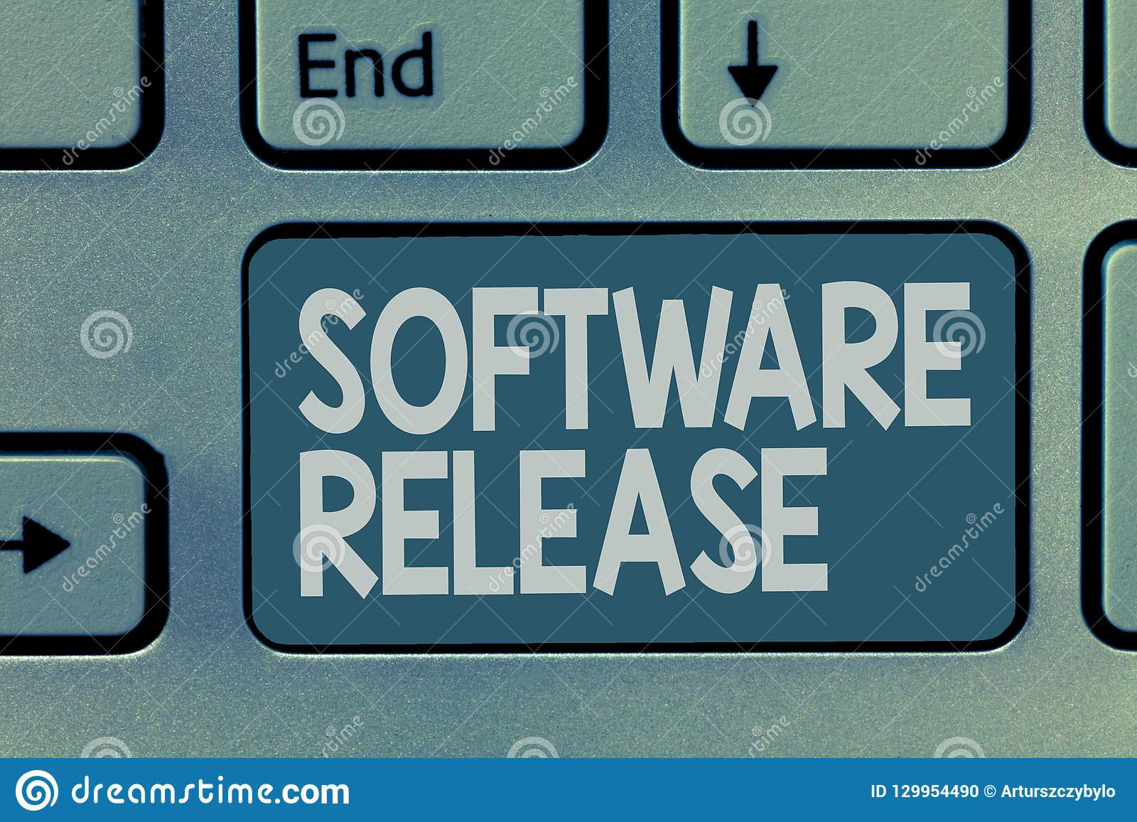 Έκδοση λογισμικού κειμένων γραψίματος λέξης Επιχειρησιακή έννοια για το ποσό των σταδίων ανάπτυξης και ωριμότητα για το πρόγραμμα