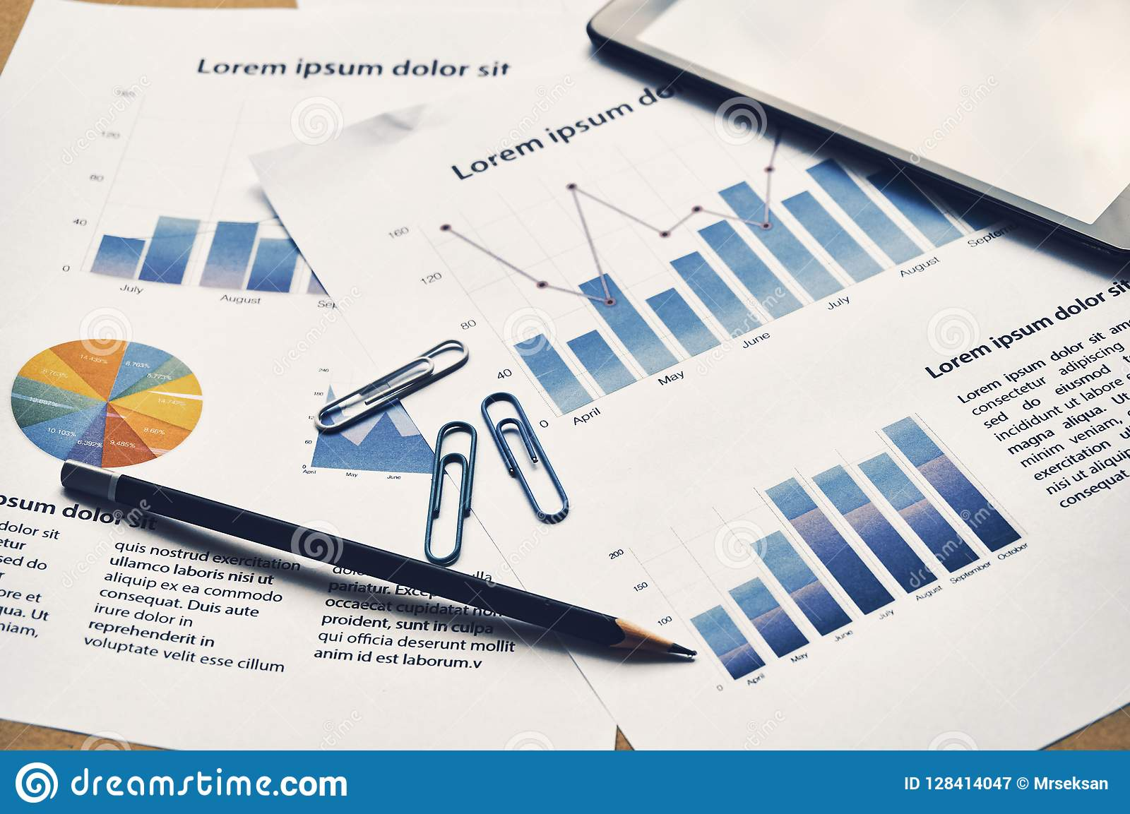 Έκθεση ανάλυσης επιχειρησιακών γραφικών παραστάσεων Οικονομικό πλαστό repor στατιστικών