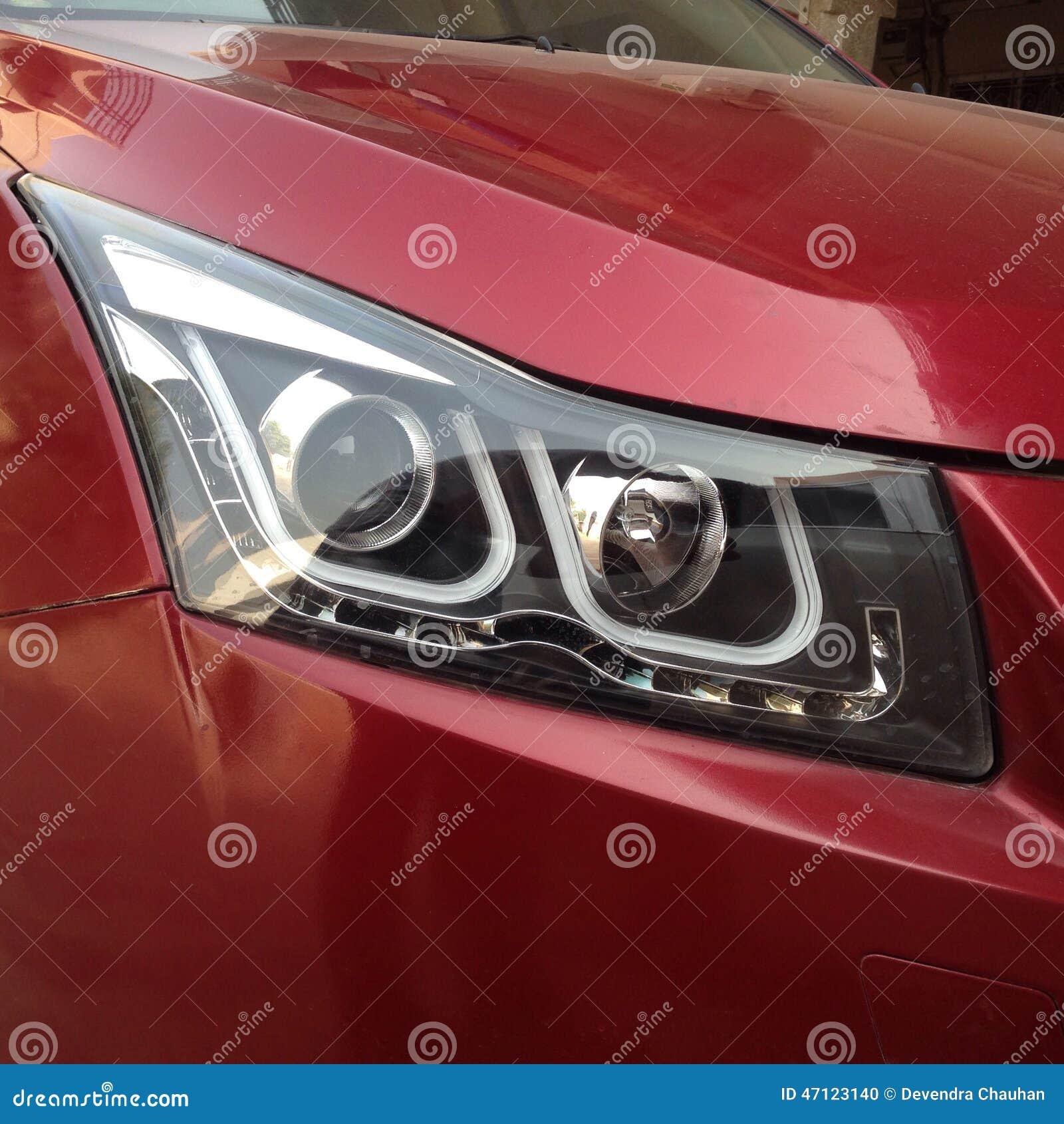 Ένας προβολέας αυτοκινήτων