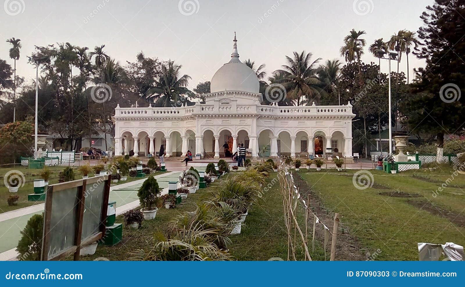 Ένας χαρακτηριστικός ναός στην Ινδία