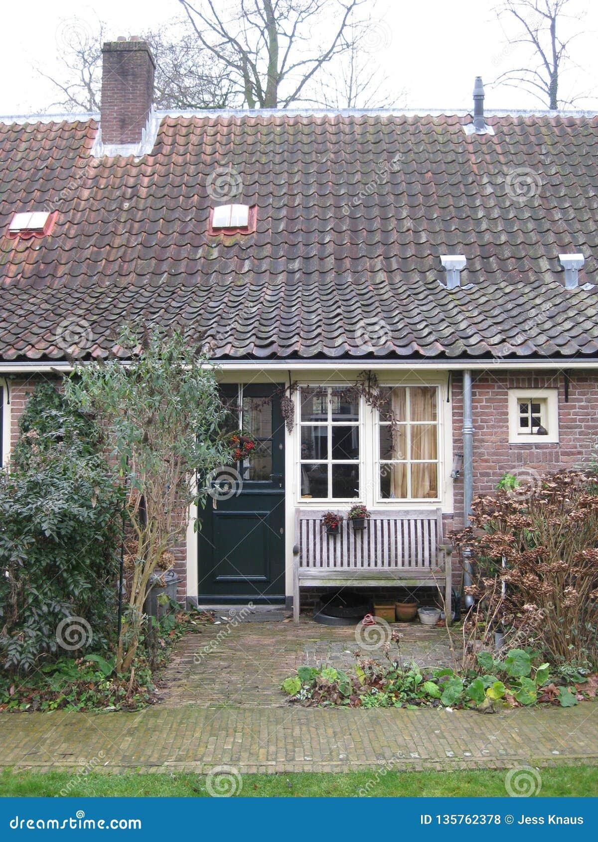 Ένα χαριτωμένο μέτωπο εξοχικών σπιτιών στην Ουτρέχτη, οι Κάτω Χώρες