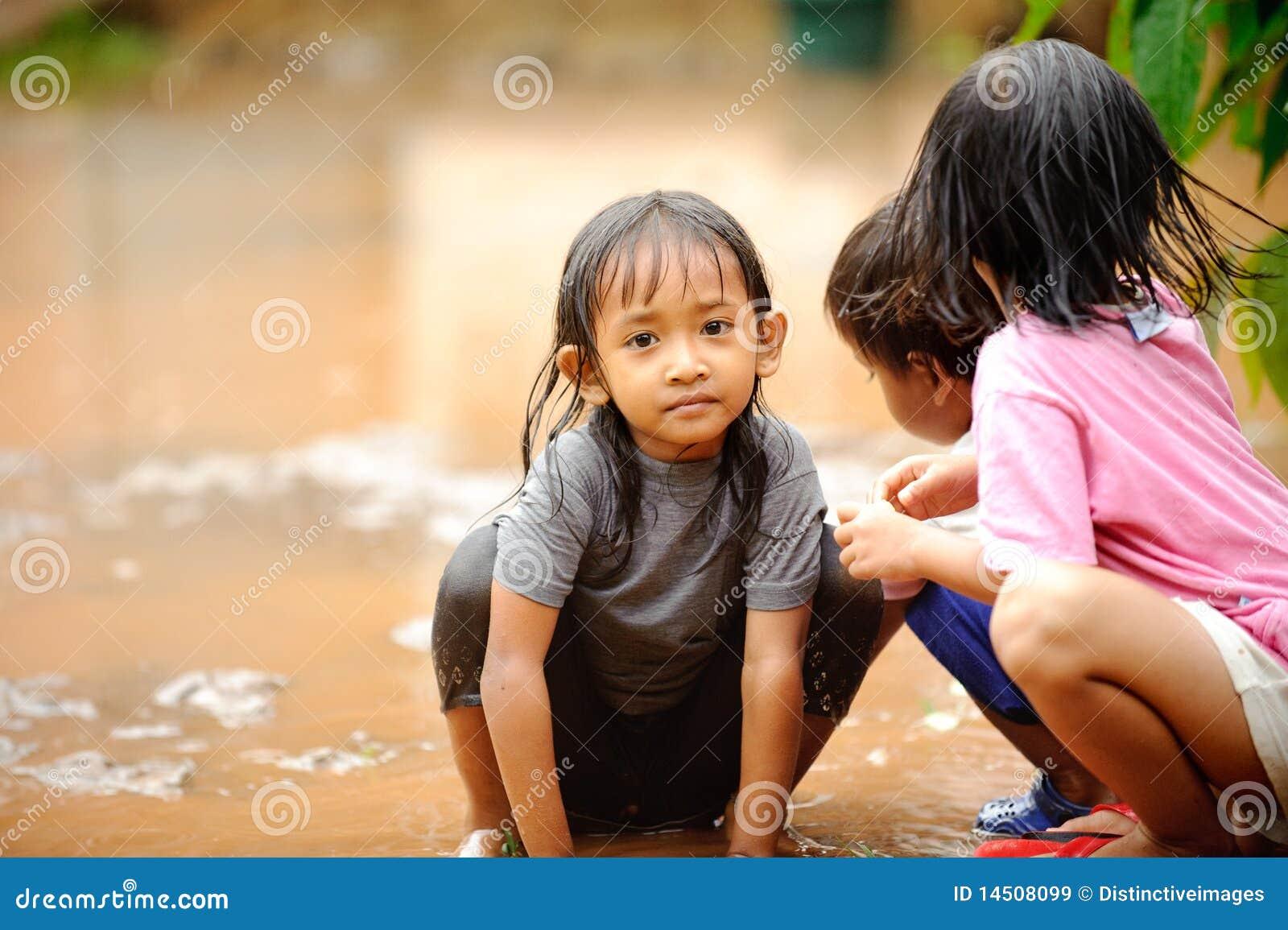 ένδεια πλημμυρών παιδιών