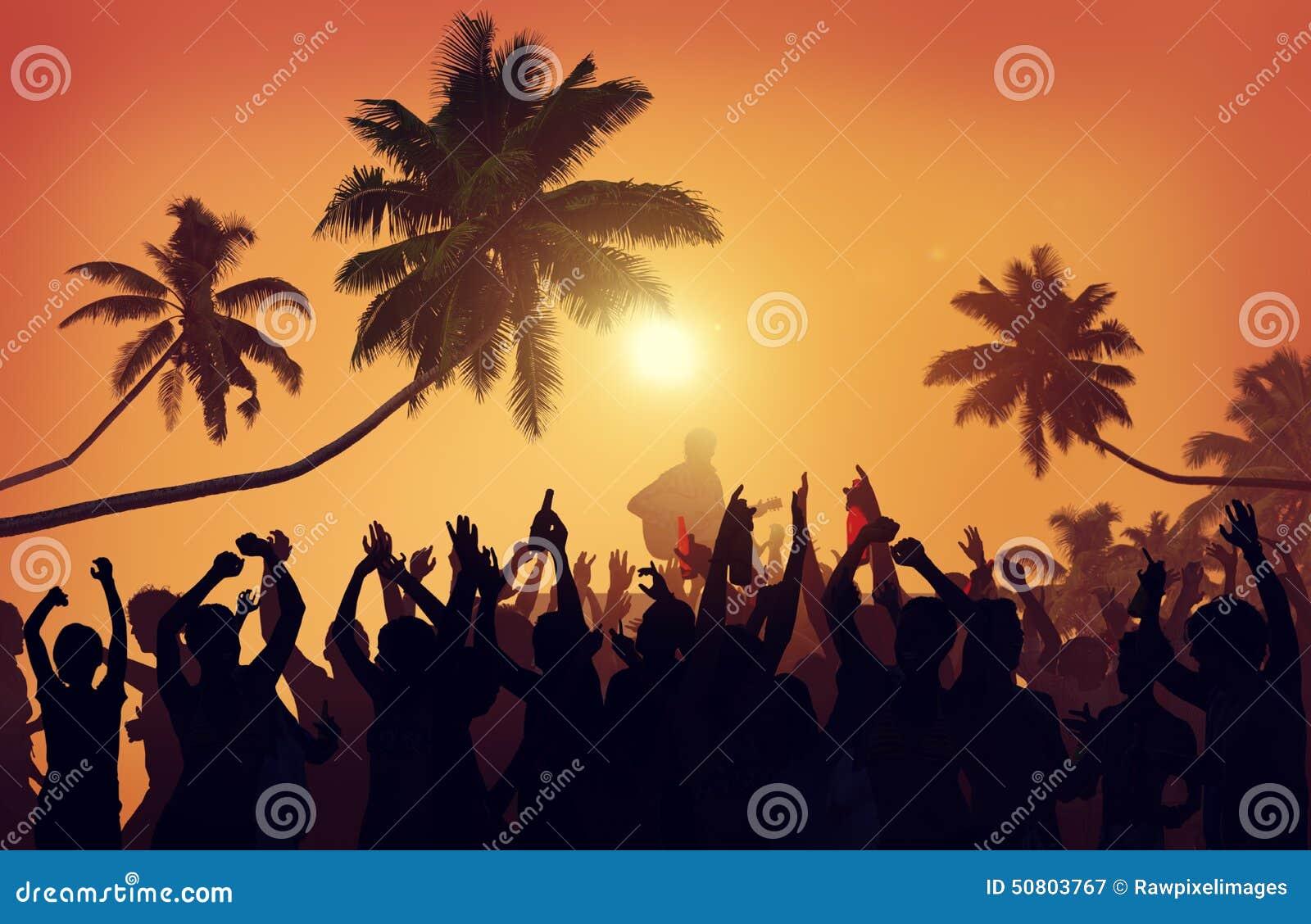 Έννοια ενθουσιασμού εκτελεστών κόμματος παραλιών φεστιβάλ θερινής μουσικής