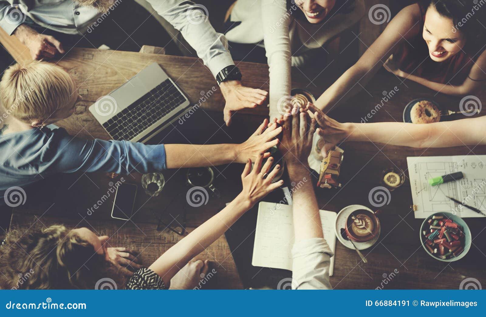 Έννοια επιτυχίας κόμματος εορτασμού επιχειρησιακής ομάδας