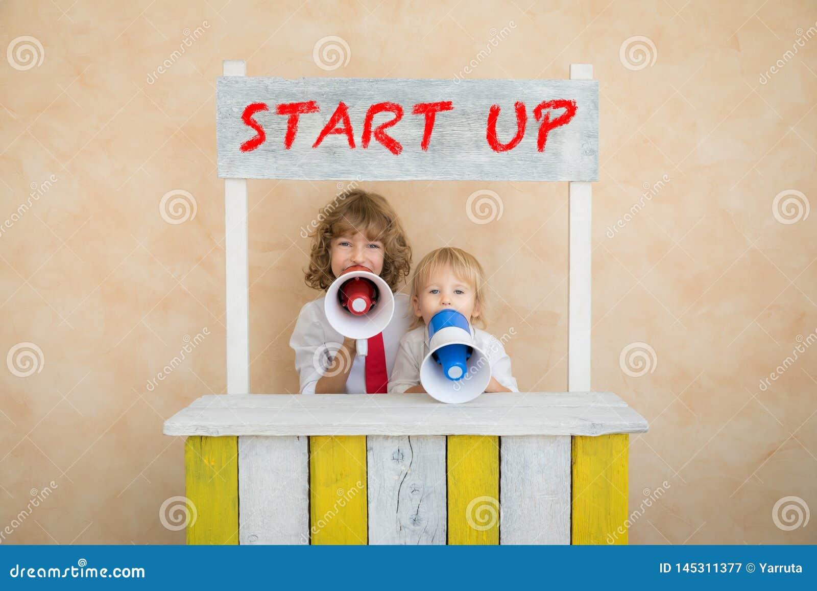 Έννοια ιδέας επιτυχίας, ξεκινήματος και επιχειρήσεων