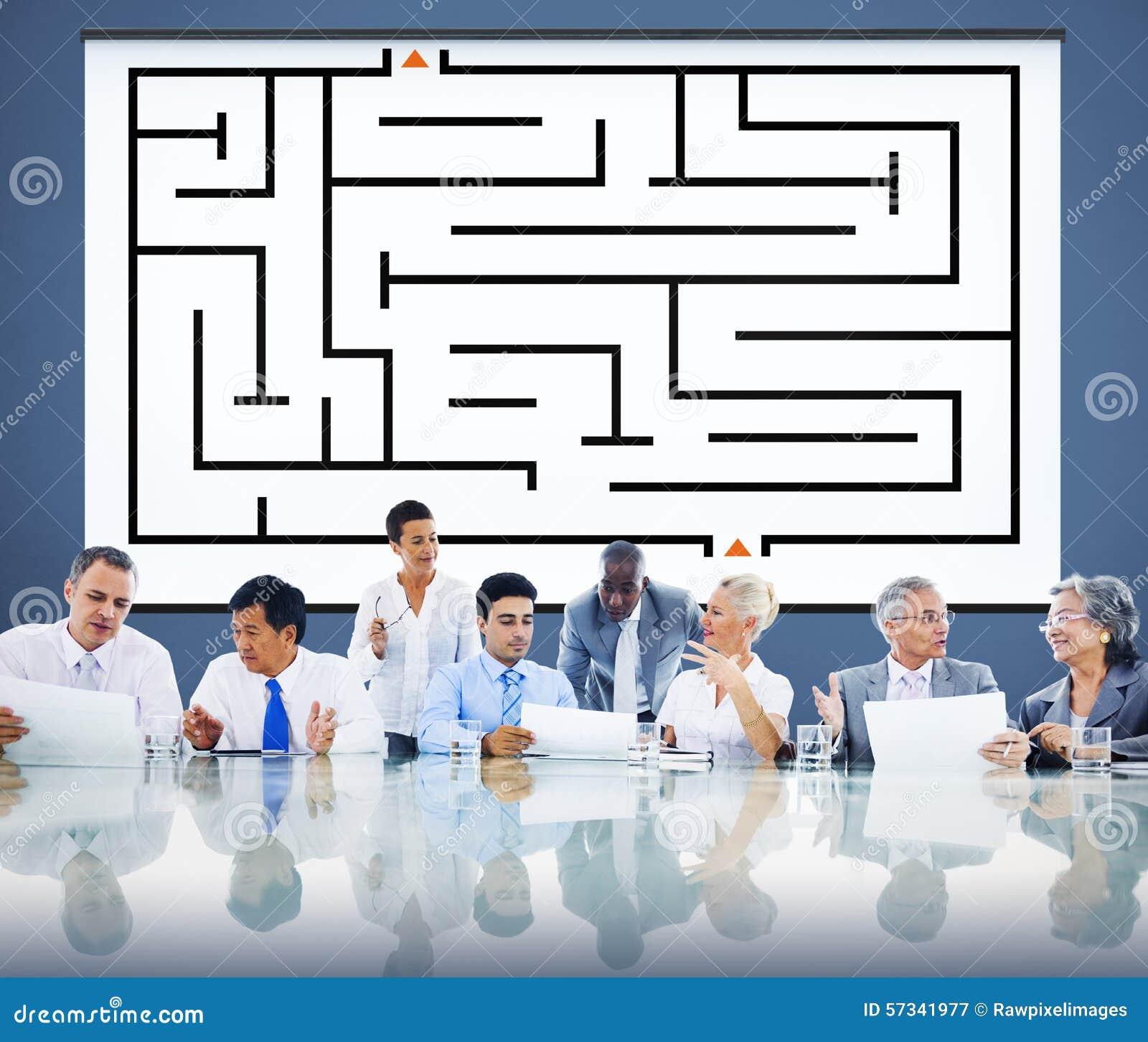 Έννοια κατεύθυνσης προσδιορισμού λύσης επιτυχίας στρατηγικής λαβυρίνθου