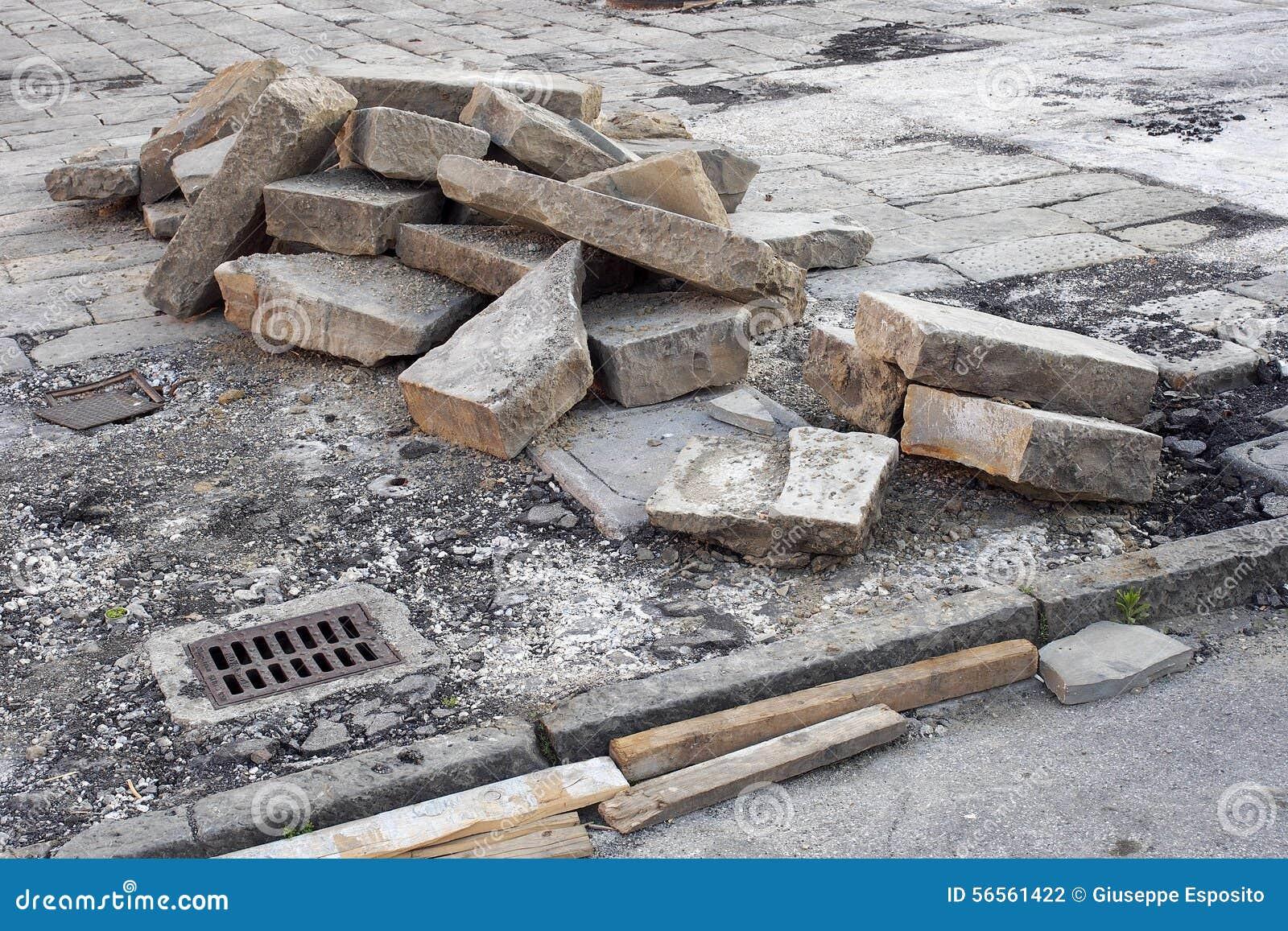 Download Έργο υπό κατασκευή Πεζοδρόμιο και δρόμος Αφαιρούμενοι φραγμοί Στοκ Εικόνες - εικόνα από έξω, βιομηχανία: 56561422
