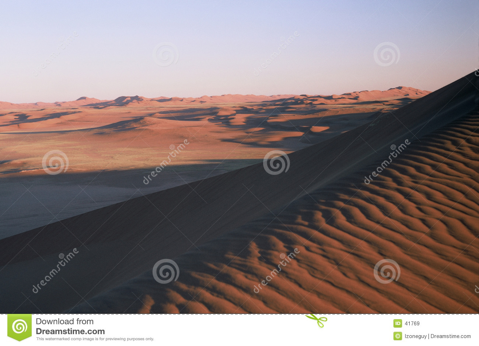 έρημος μόνη