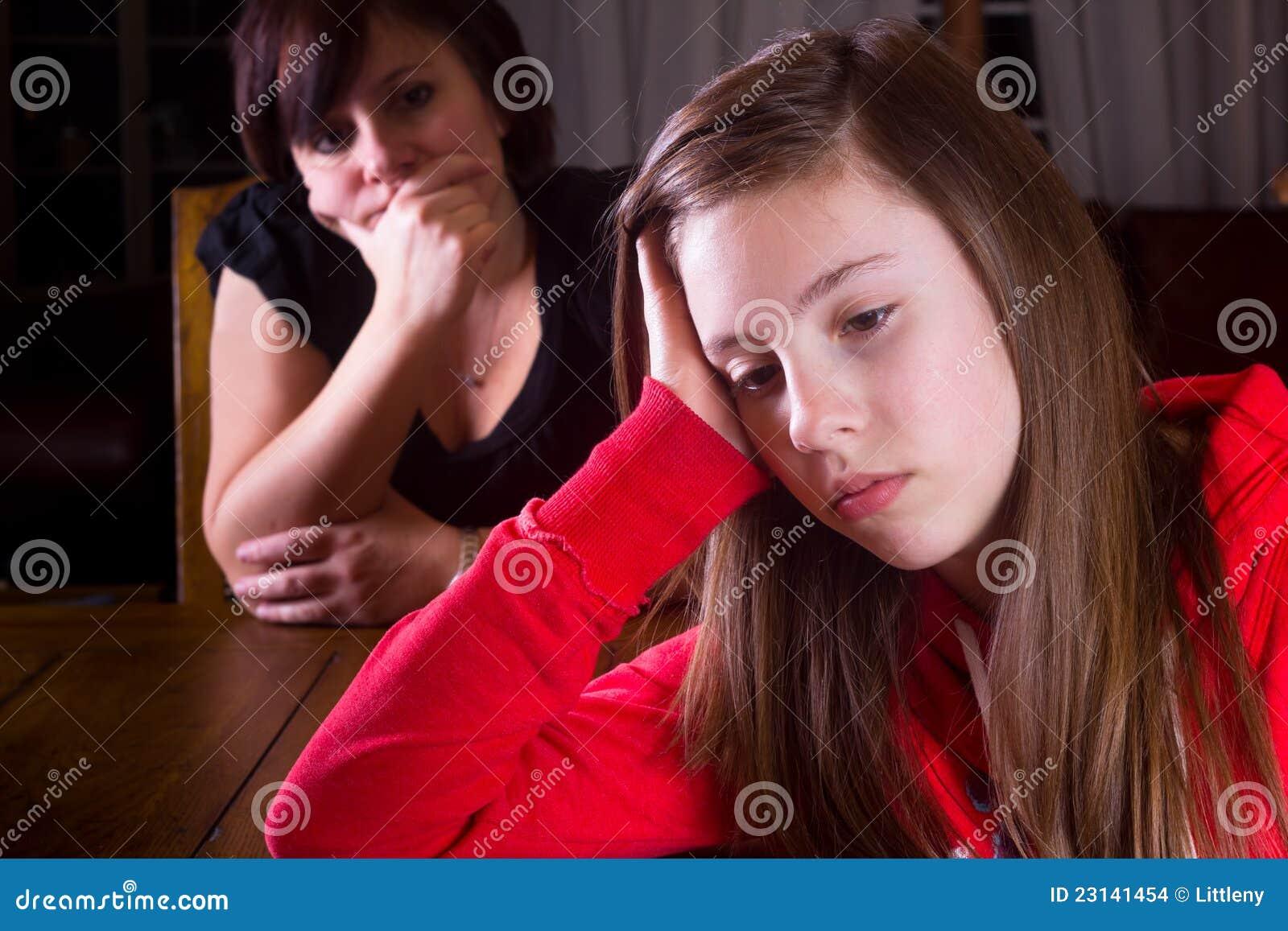 έφηβος μητέρων που ανατρέπεται