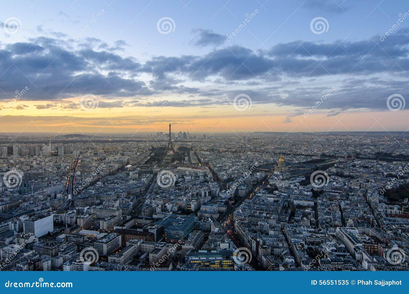 Download Ήλιος σχετικά με κάτω στο Παρίσι Στοκ Εικόνα - εικόνα από γαλλία, πανοραμικός: 56551535