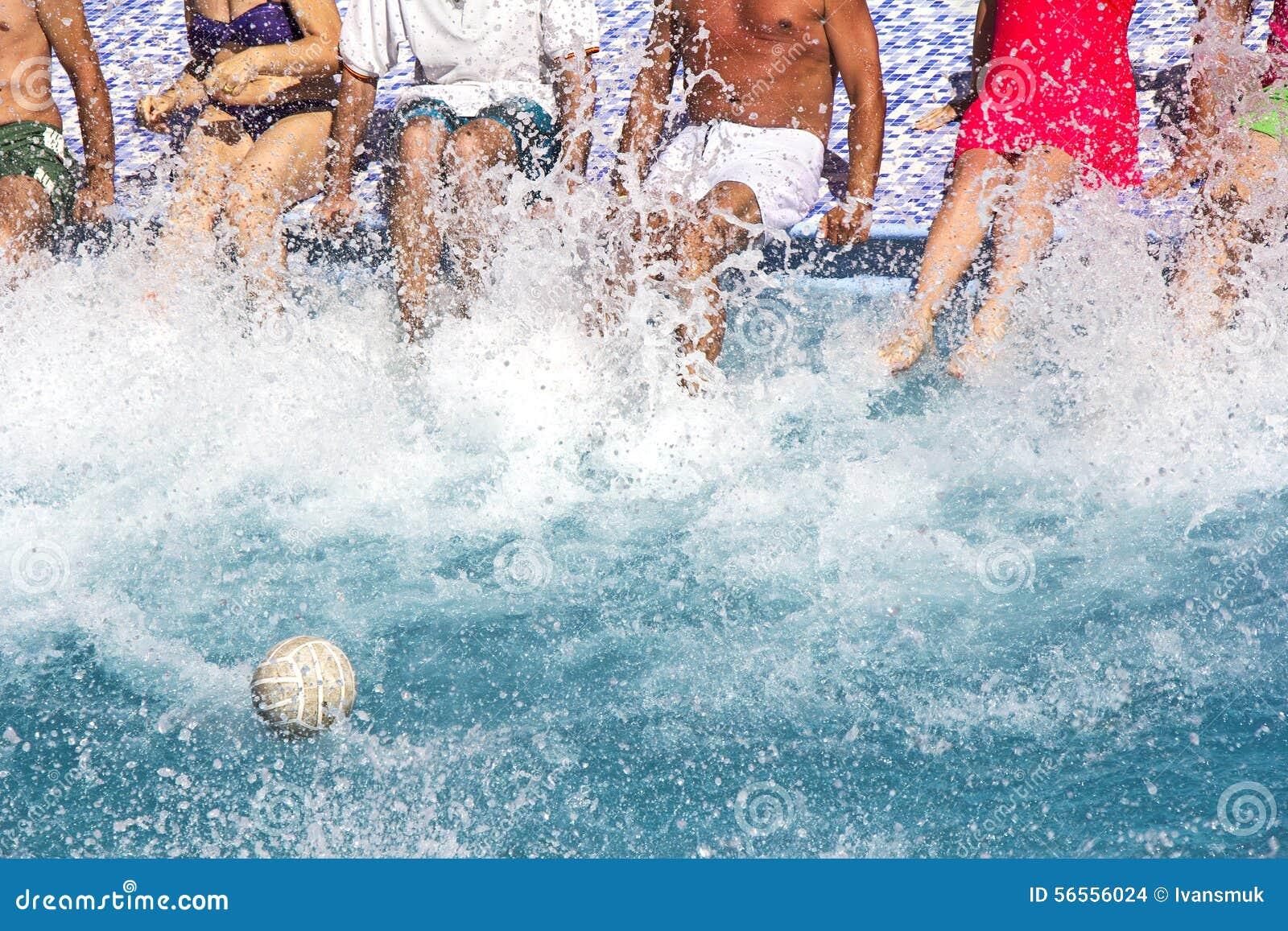 Download λίμνη διασκέδασης στοκ εικόνες. εικόνα από φιλία, άνθρωποι - 56556024