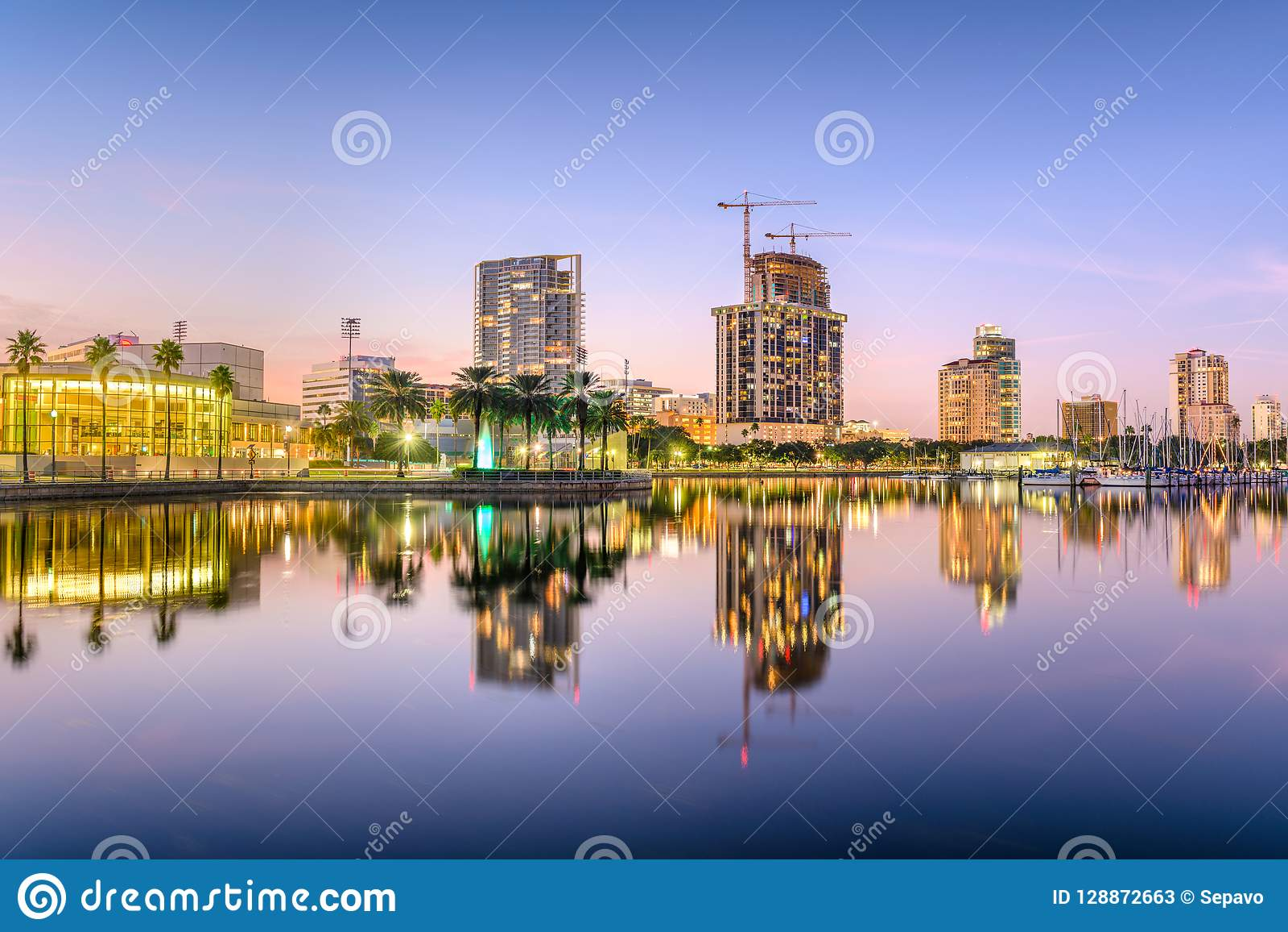 Αγία Πετρούπολη, ορίζοντας της Φλώριδας