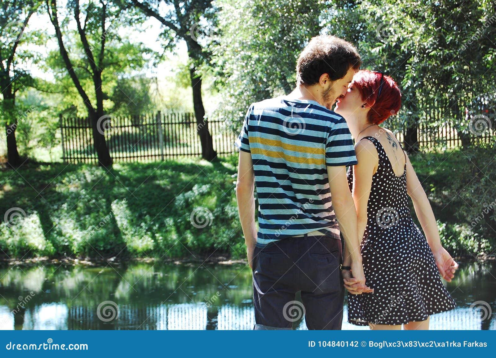 Αγαπούν ο ένας τον άλλον στο lakeshore