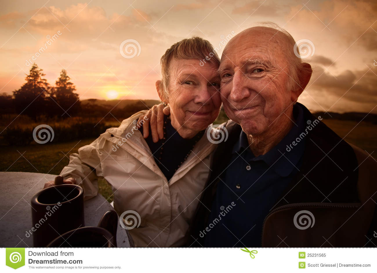 Αγκάλιασμα του ζεύγους