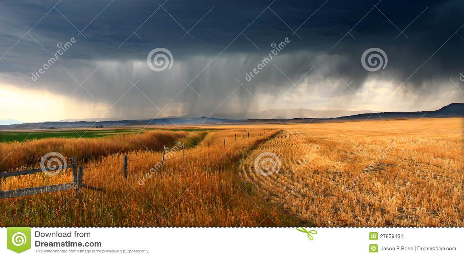 Αγροτικά σύννεφα θύελλας της Μοντάνα