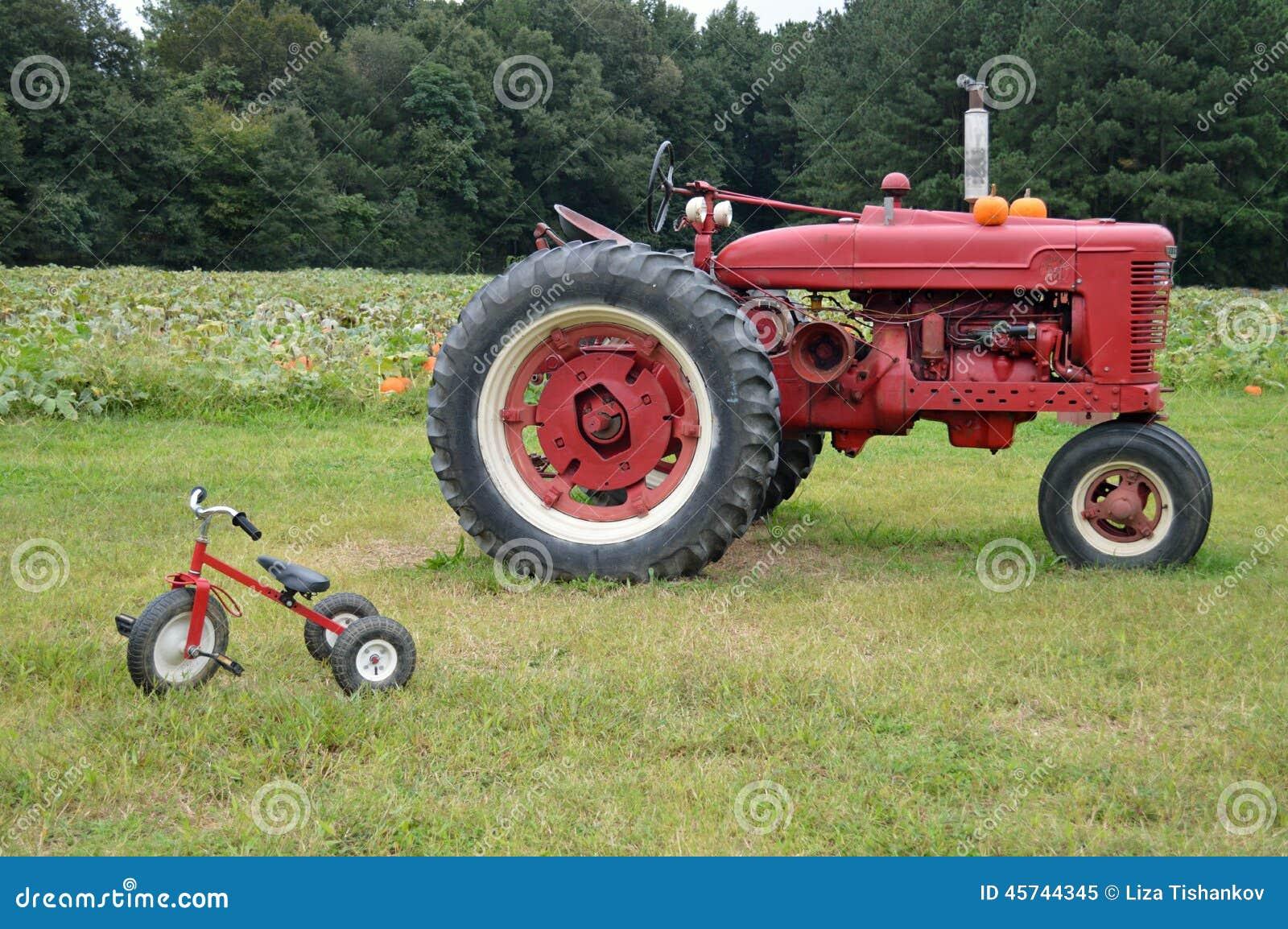 Αγροτικά τρακτέρ και τρίκυκλο
