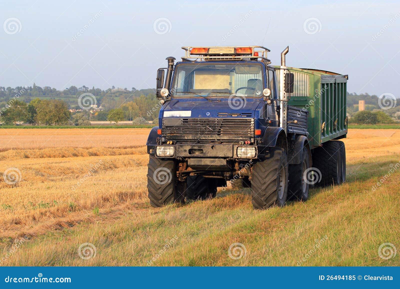 Αγροτικά truck και ρυμουλκό