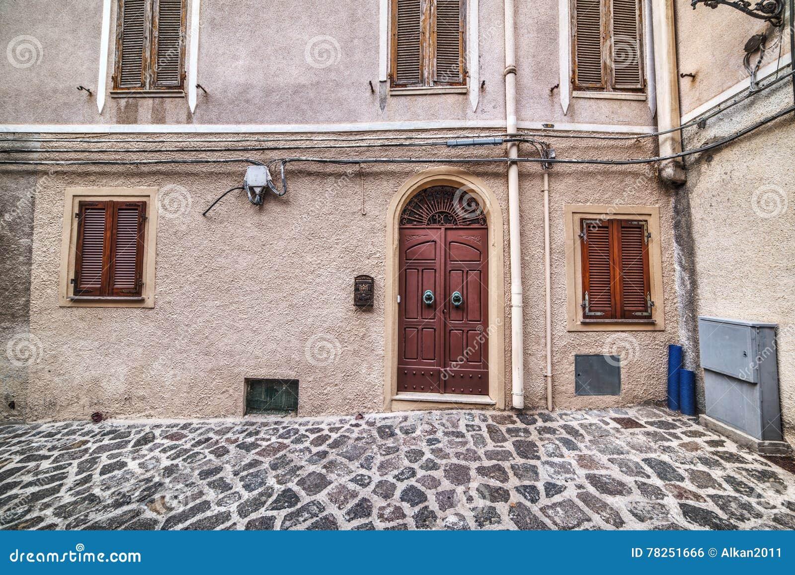 Αγροτική γωνία στην παλαιά πόλη Castelsardo