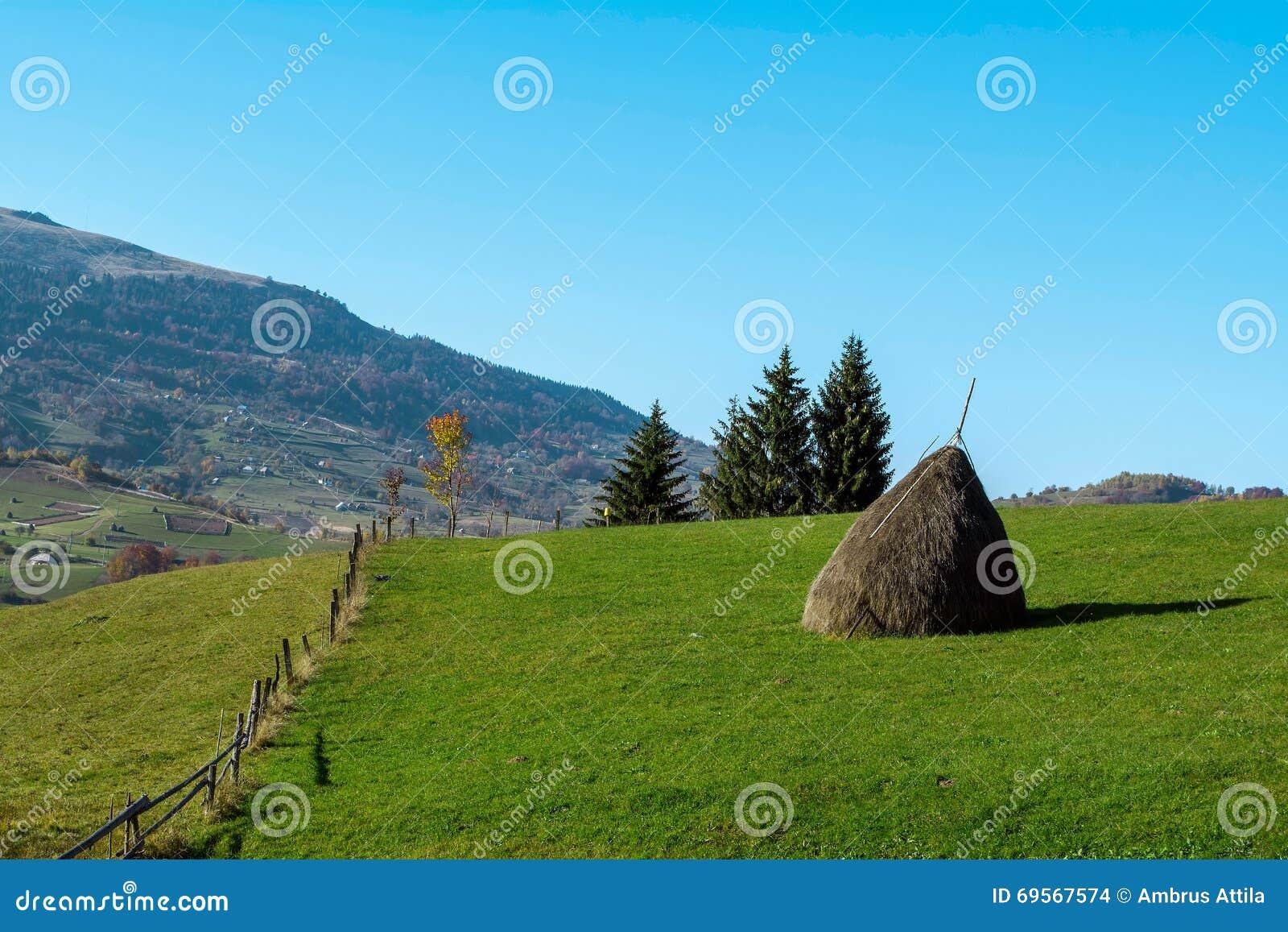 Αγροτικό τοπίο στα βουνά