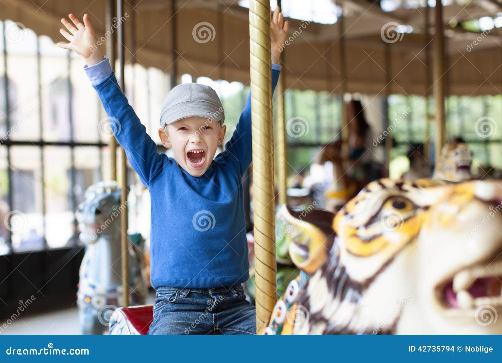 Αγόρι στο ιπποδρόμιο