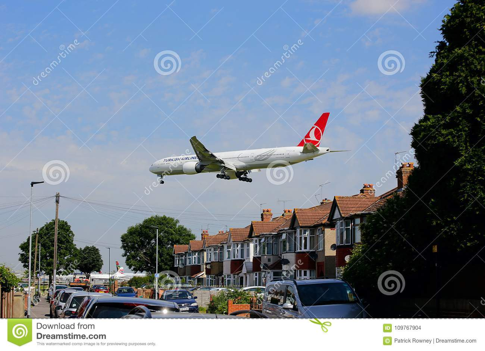 Αεριωθούμενοι εναέριοι διάδρομοι Boeing 777 στην προσέγγιση στον αερολιμένα Heathrow