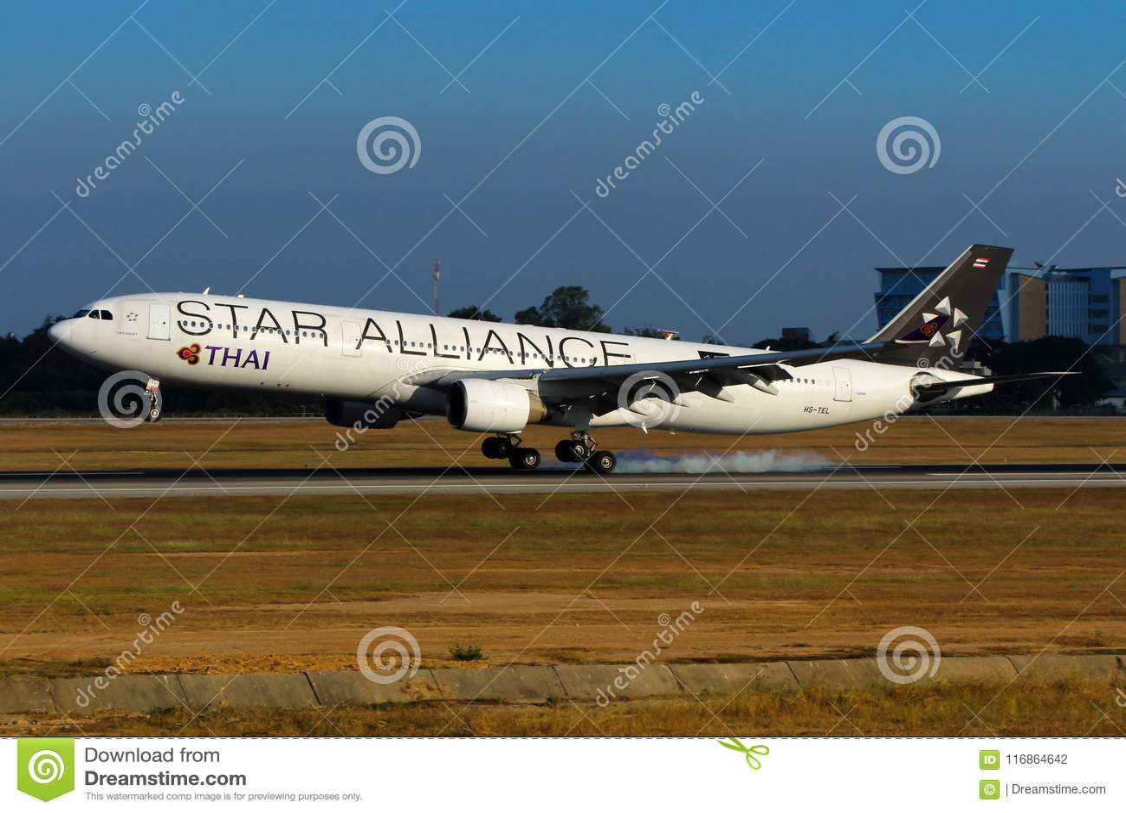 Αεροπλάνο της ταϊλανδικής στολής συμμαχίας αστεριών airbus εναέριων διαδρόμων διεθνούς A330